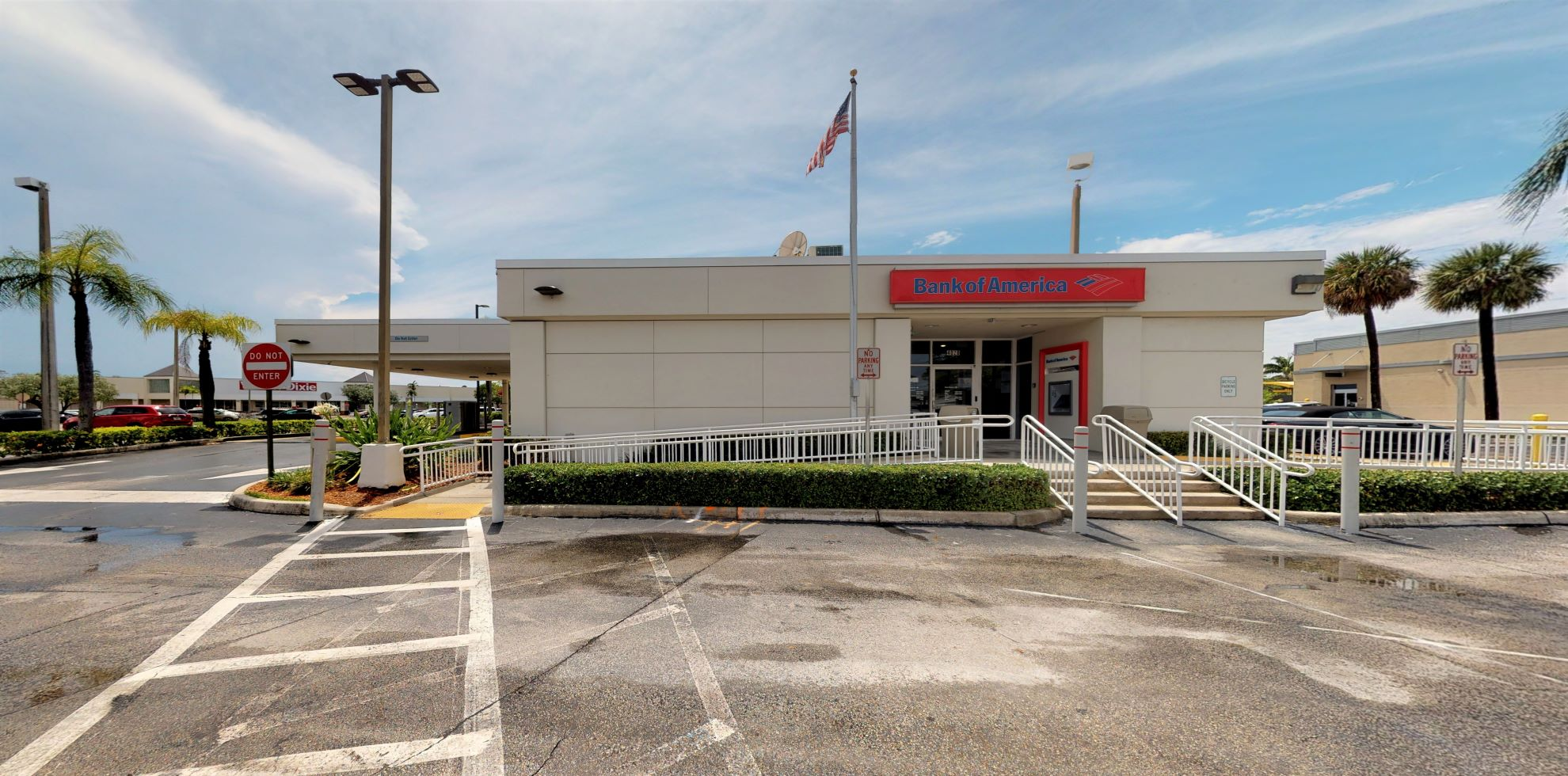 Bank of America financial center with drive-thru ATM and teller | 4020 SW 67th Ave, Miami, FL 33155