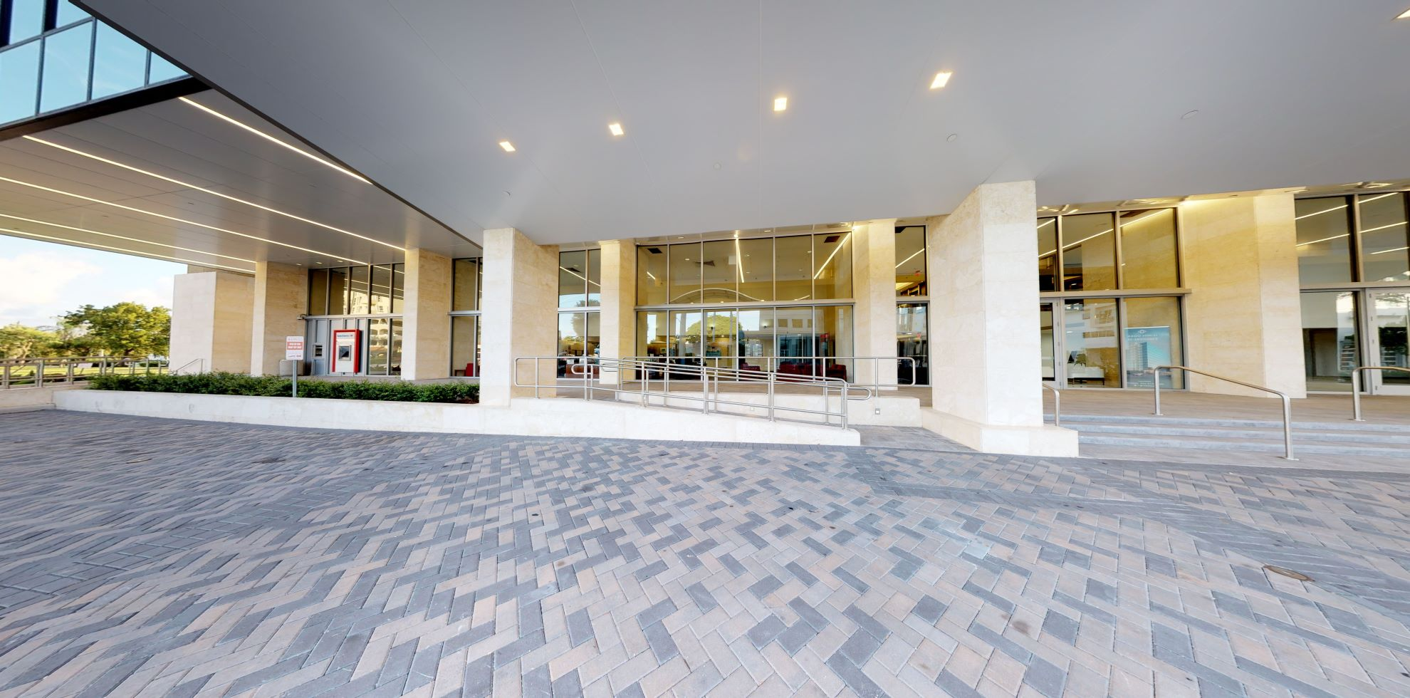 Bank of America financial center with drive-thru ATM | 2600 S Douglas Rd STE 100, Coral Gables, FL 33134