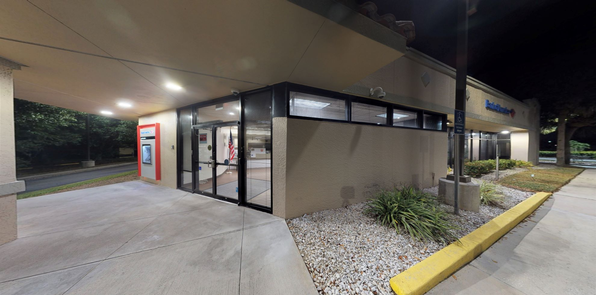 Bank of America financial center with drive-thru ATM and teller | 13650 Six Mile Cypress Pkwy, Fort Myers, FL 33912