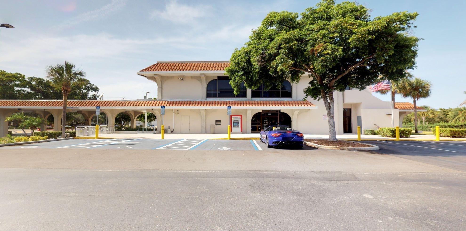 Bank of America financial center with drive-thru ATM   1000 N Federal Hwy, Boca Raton, FL 33432