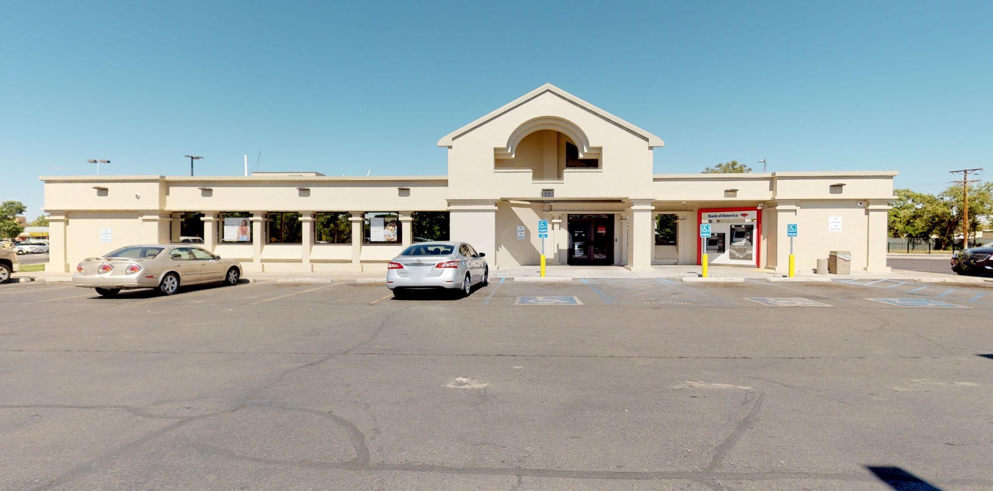 Bank of America financial center with drive-thru ATM | 3323 Isleta Blvd SW, Albuquerque, NM 87105