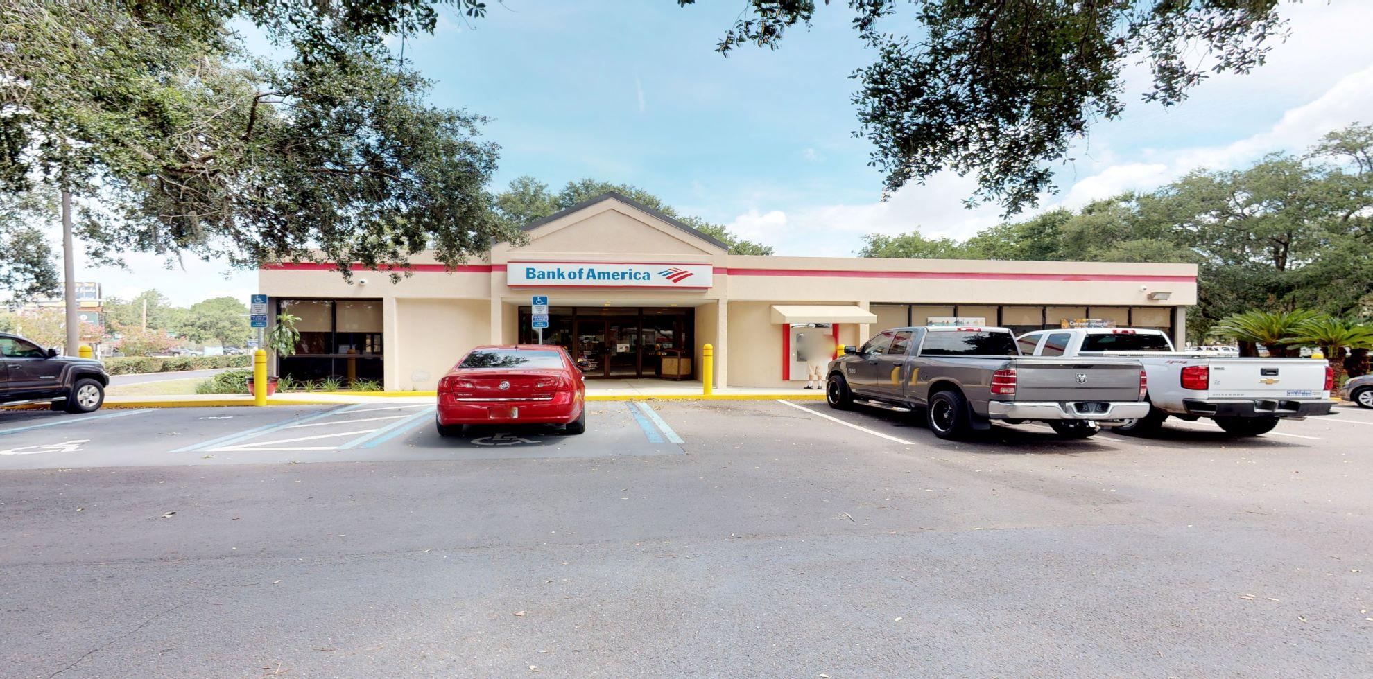 Bank of America financial center with drive-thru ATM and teller   1822 S 8th St, Fernandina Beach, FL 32034