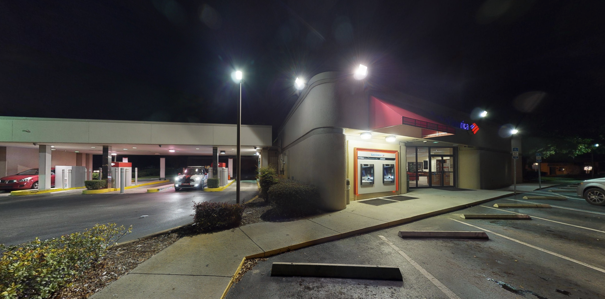 Bank of America financial center with drive-thru ATM | 7605 Aloma Ave, Winter Park, FL 32792