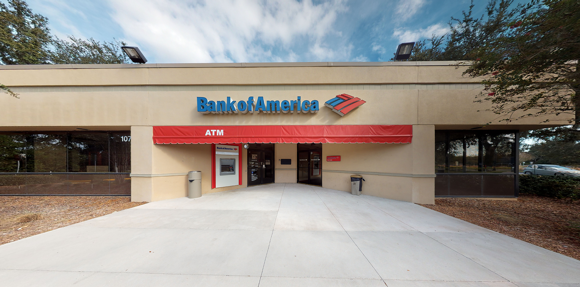 Bank of America financial center with walk-up ATM | 10715 US Highway 441, Leesburg, FL 34788