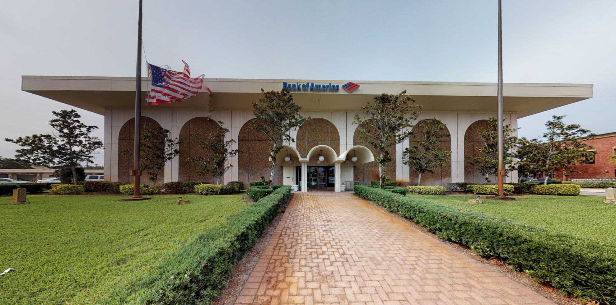 Bank of America financial center with drive-thru ATM | 205 N Parrott Ave, Okeechobee, FL 34972