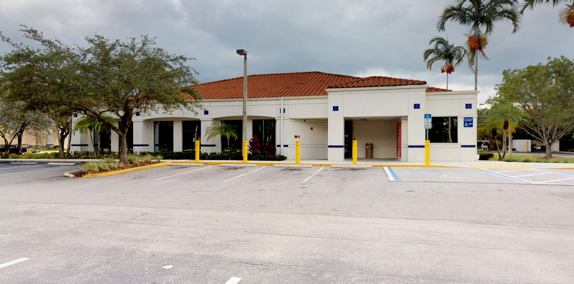 Bank of America financial center with drive-thru ATM and teller   12381 W Sunrise Blvd, Plantation, FL 33323