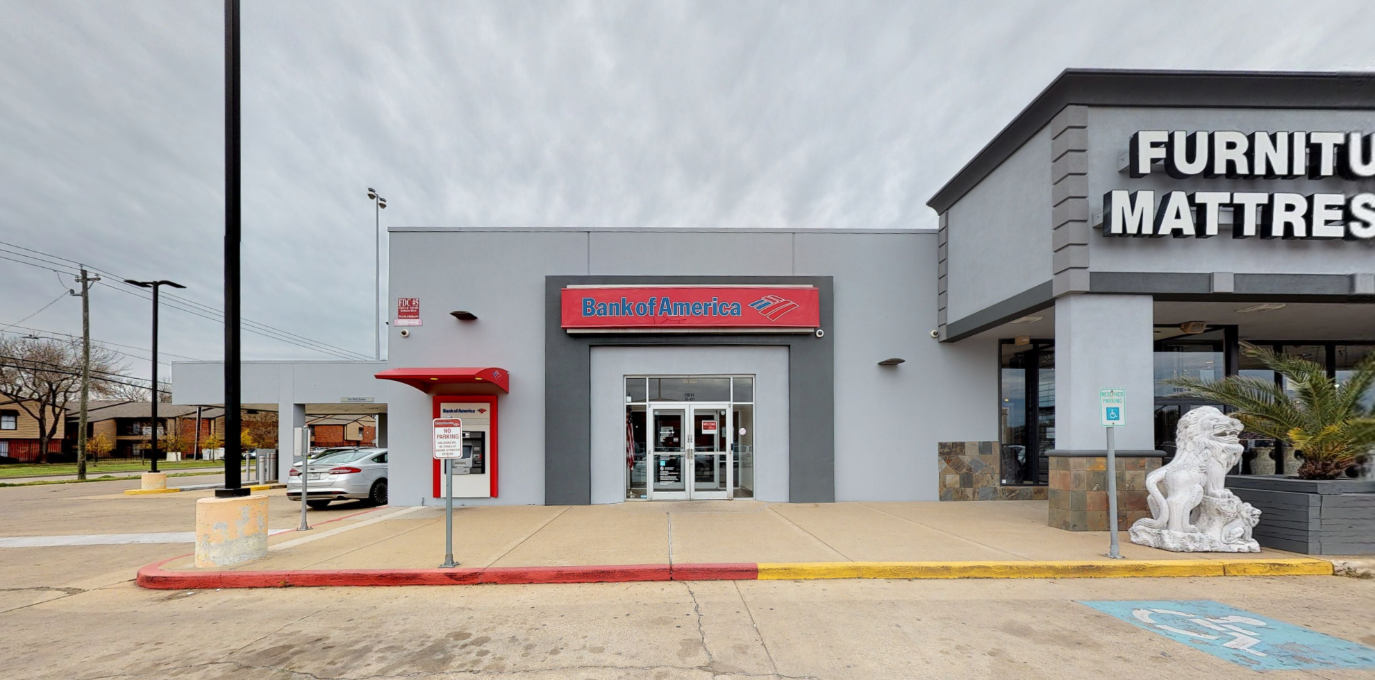 Bank of America financial center with drive-thru ATM and teller | 11814 Bellaire Blvd, Houston, TX 77072