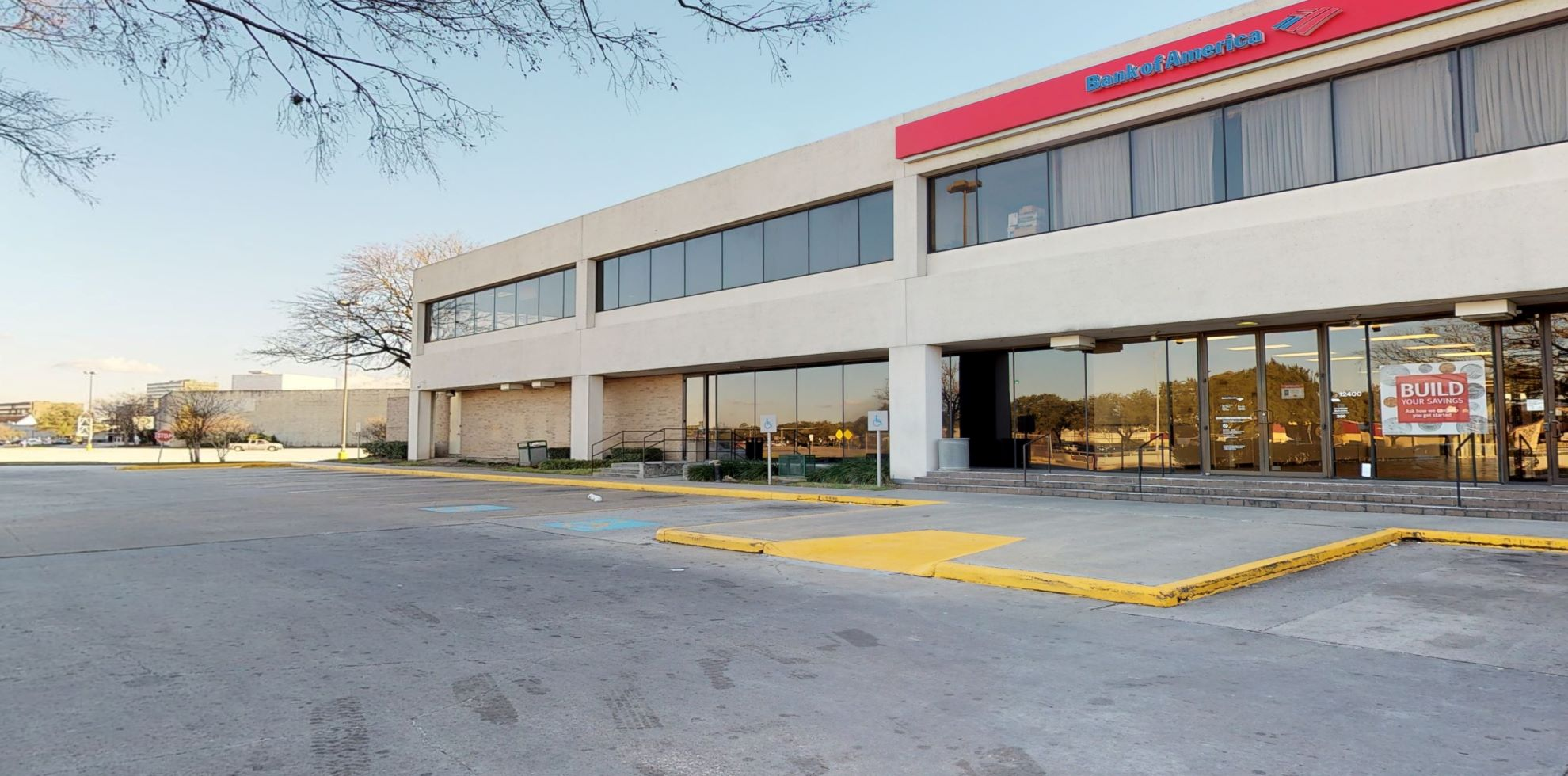 Bank of America financial center with walk-up ATM   12400 North Fwy, Houston, TX 77060