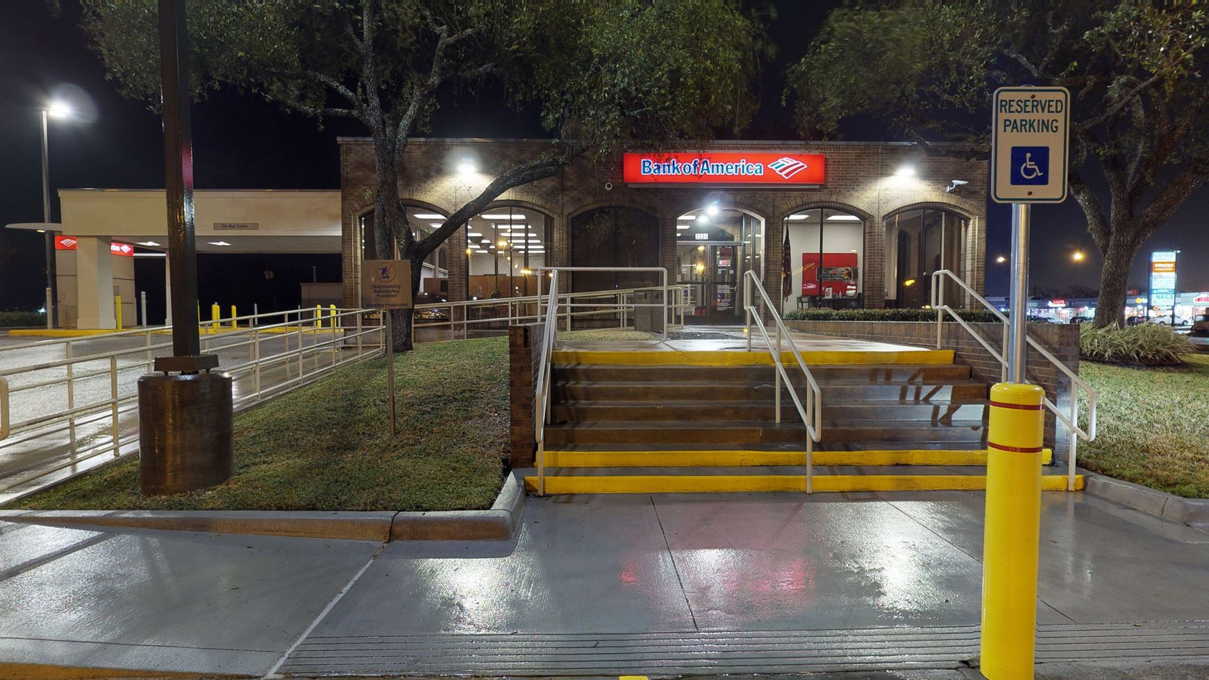 Bank of America financial center with drive-thru ATM   3334 Palmer Hwy, Texas City, TX 77590