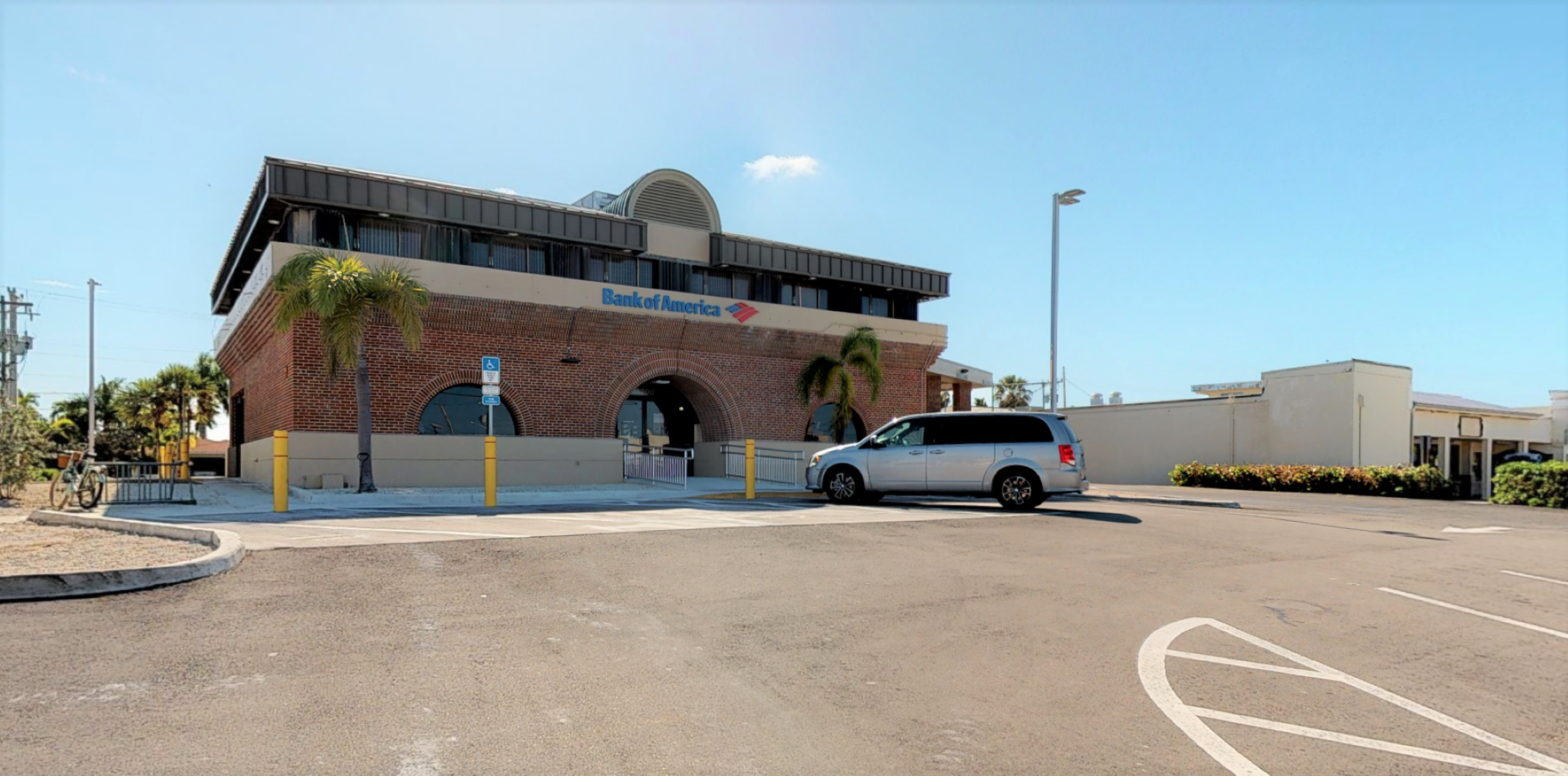 Bank of America financial center with drive-thru ATM and teller | 3200 Flagler Ave, Key West, FL 33040