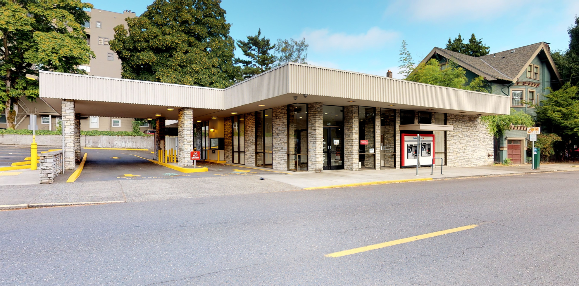 Bank of America financial center with drive-thru ATM | 221 NW 21st Ave, Portland, OR 97209