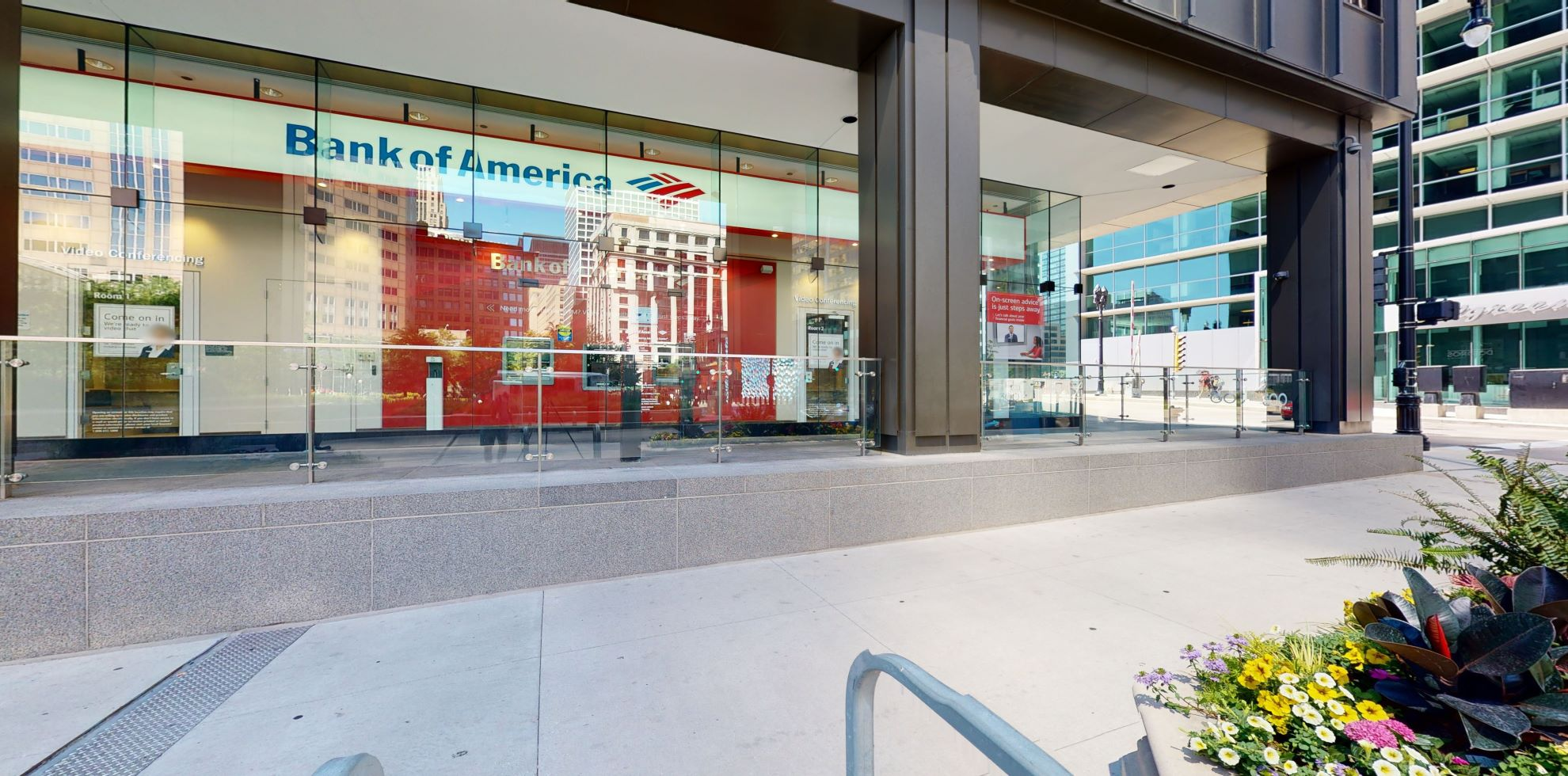 Bank of America Advanced Center with walk-up ATM | 300 S Wacker Dr, Chicago, IL 60606