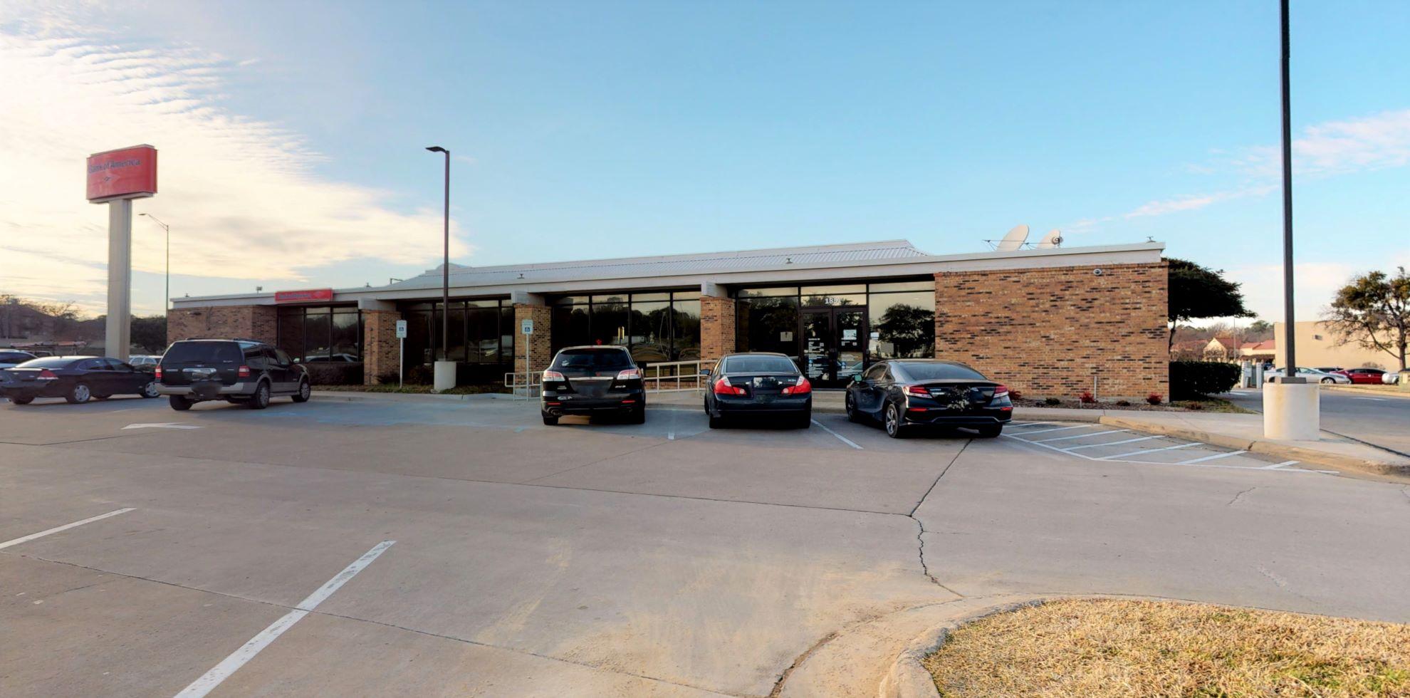 Bank of America financial center with drive-thru ATM | 1851 S Interstate 35 E, Denton, TX 76205