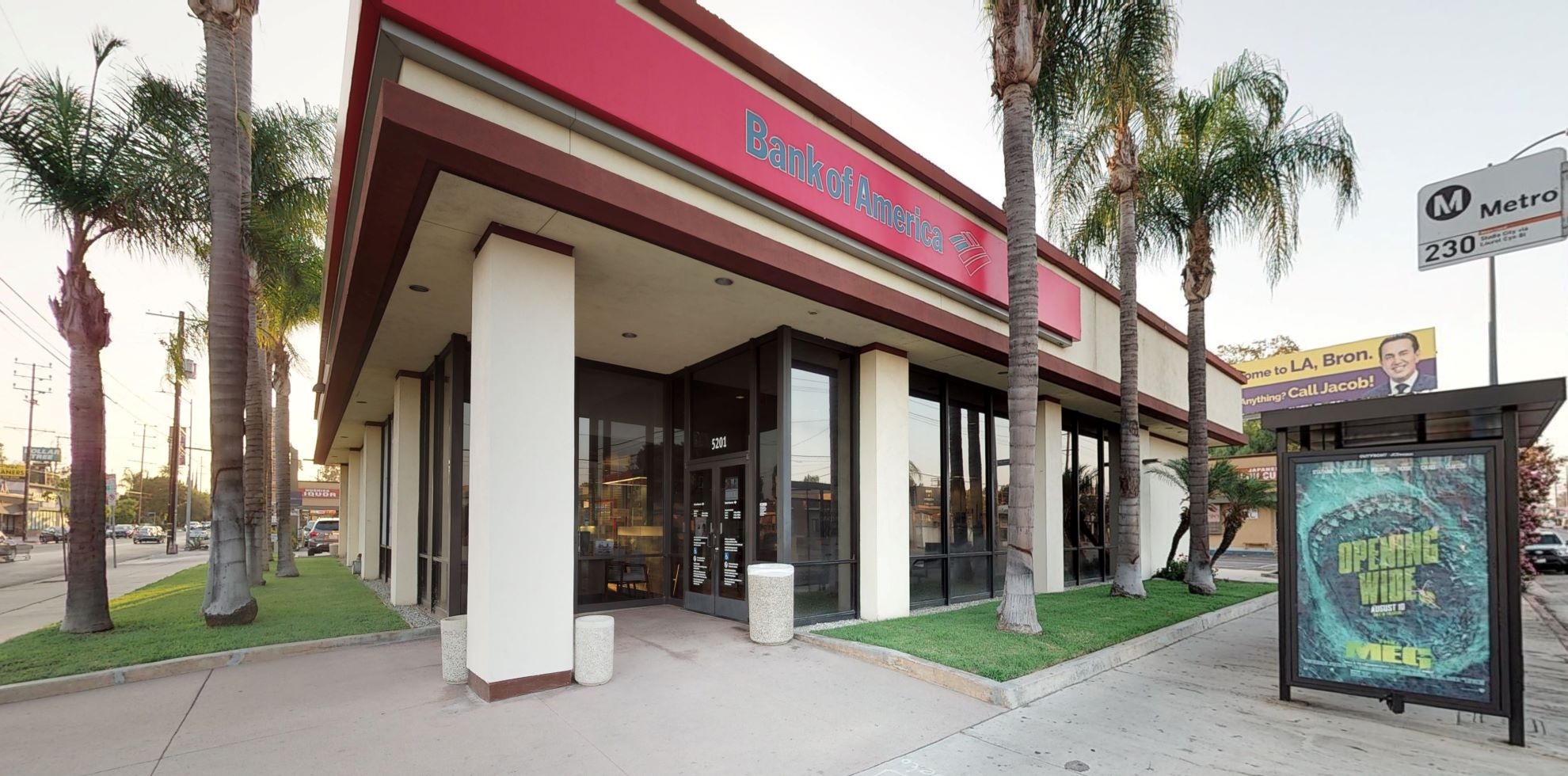 Bank of America financial center with walk-up ATM | 5201 Laurel Canyon Blvd, North Hollywood, CA 91607