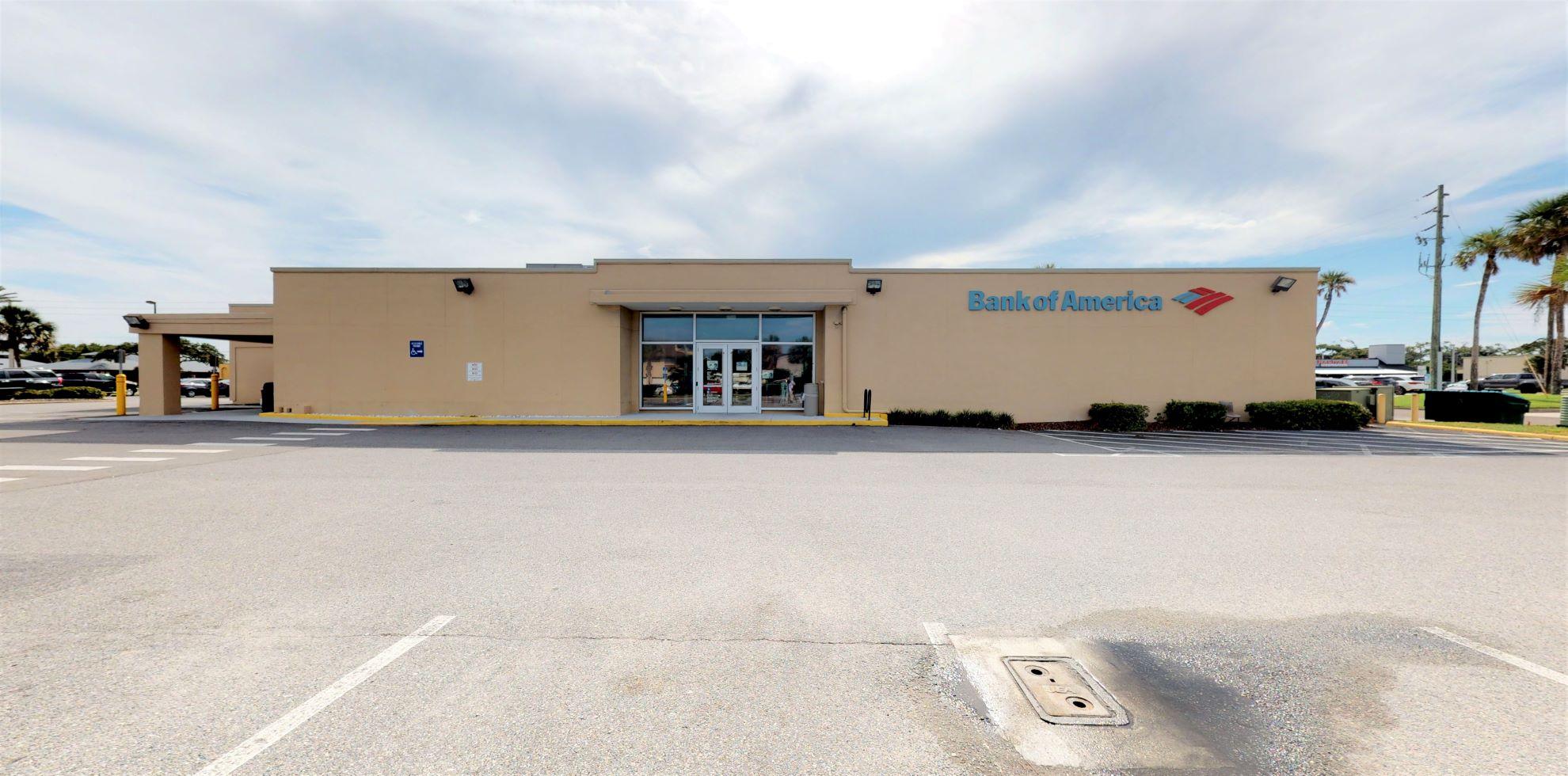Bank of America financial center with drive-thru ATM | 301 3rd St, Neptune Beach, FL 32266