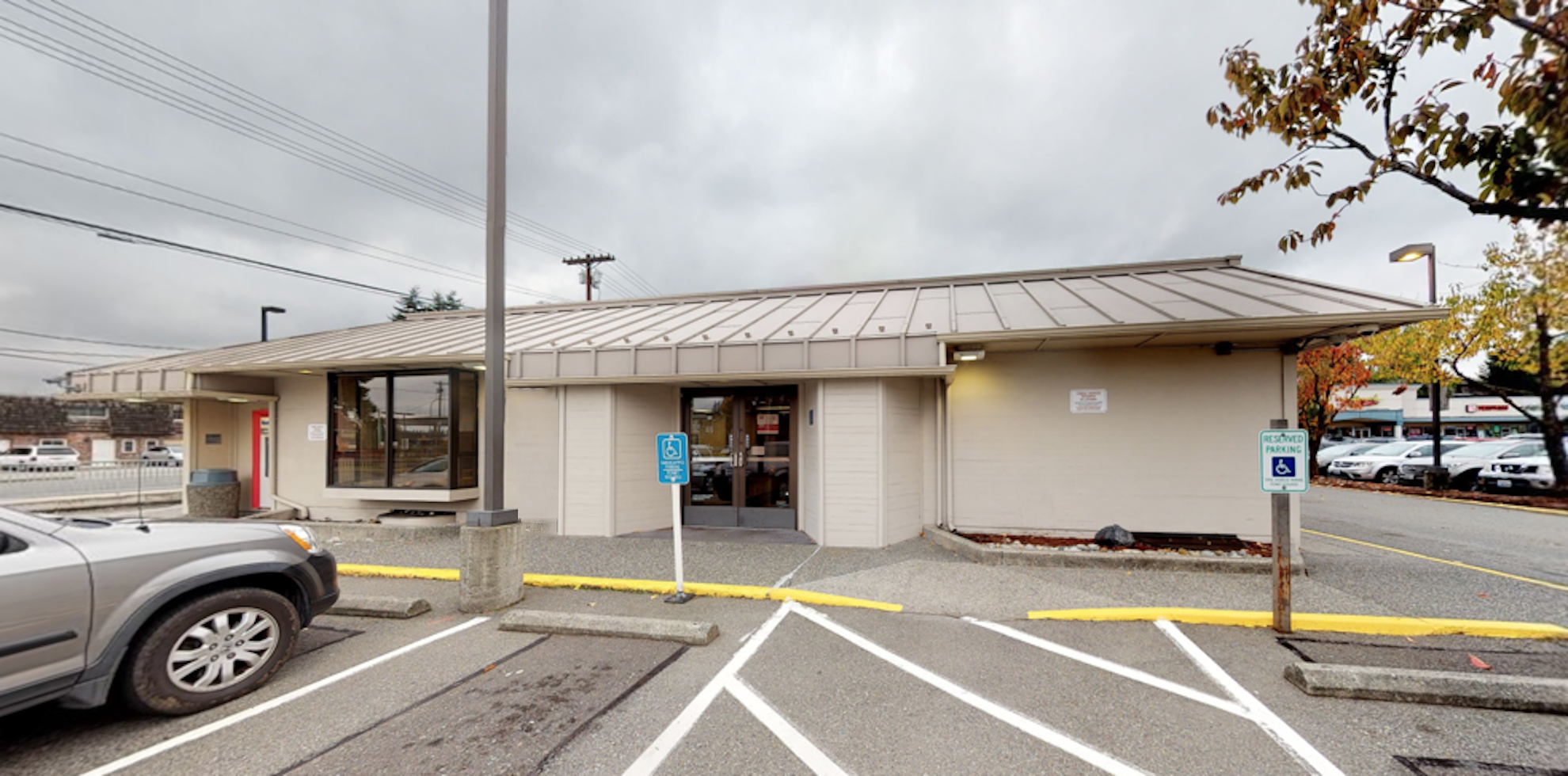 Bank of America financial center with drive-thru ATM | 1803 112th St SE, Everett, WA 98208