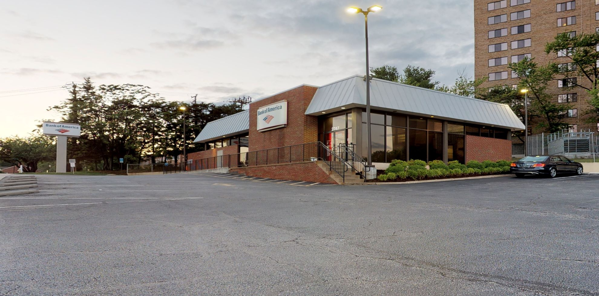 Bank of America financial center with drive-thru ATM   2747 Duke St, Alexandria, VA 22314