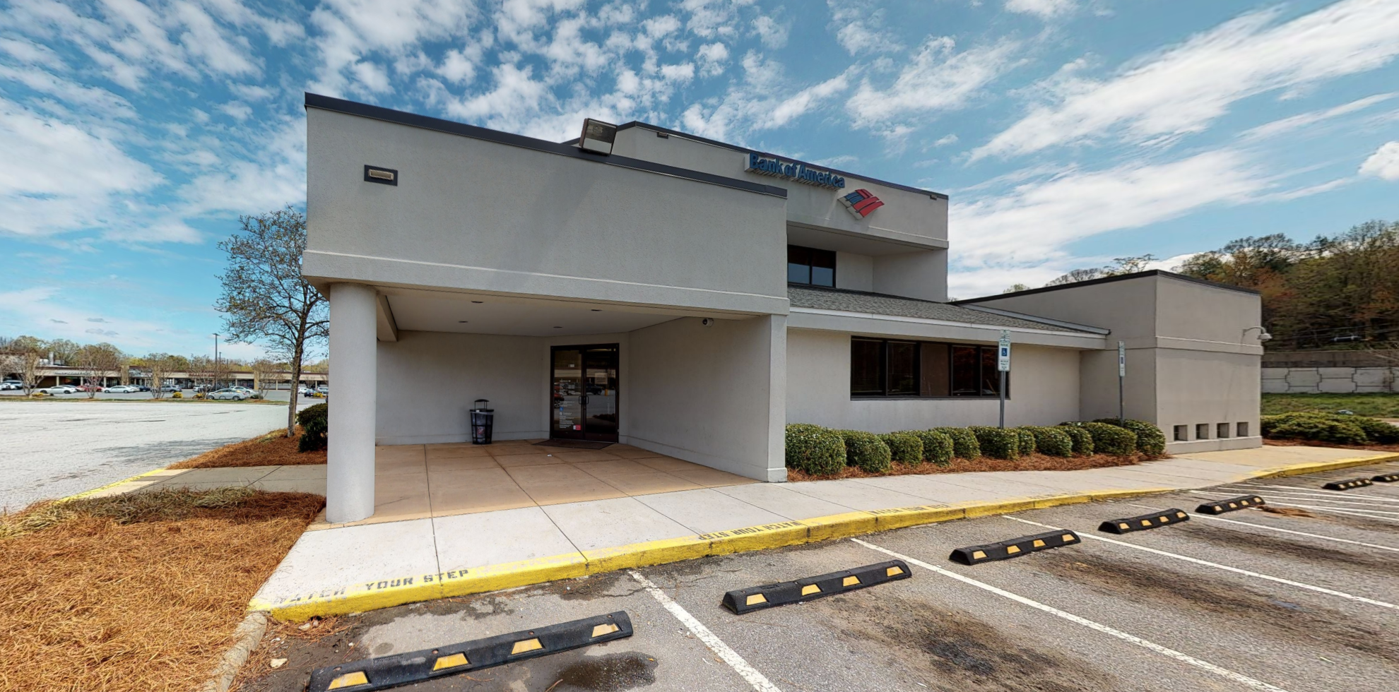 Bank of America financial center with drive-thru ATM and teller | 1209 Silas Creek Pkwy, Winston Salem, NC 27127