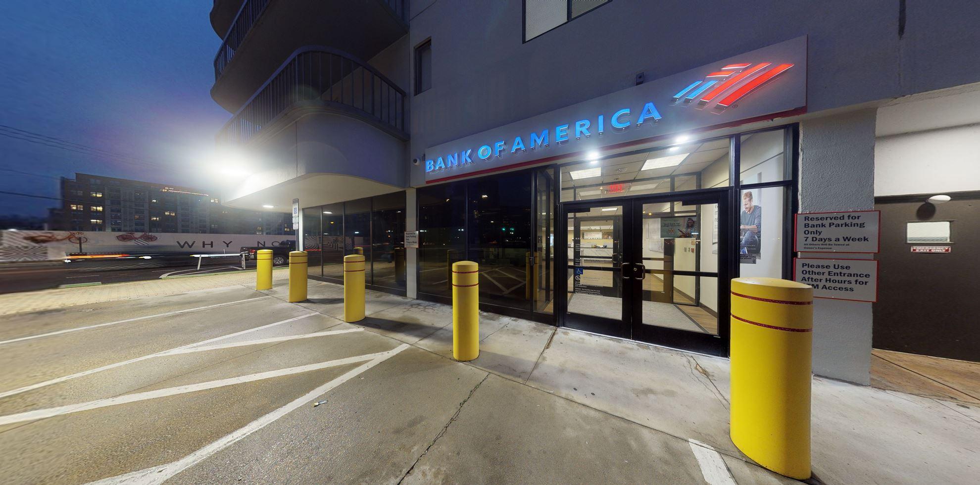 Bank of America financial center with walk-up ATM   1425 S Eads St STE 1, Arlington, VA 22202