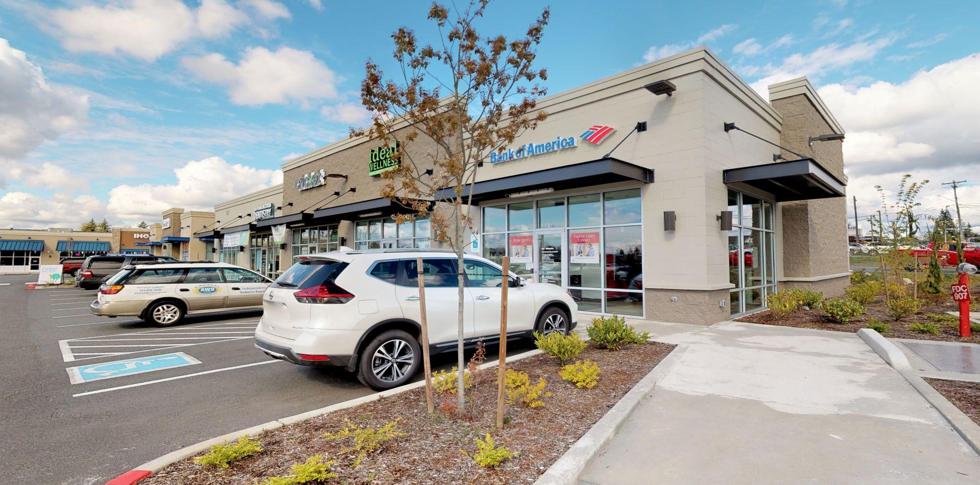 Bank of America Advanced Center with walk-up ATM | 907 Frontier Cir E, Lake Stevens, WA 98258