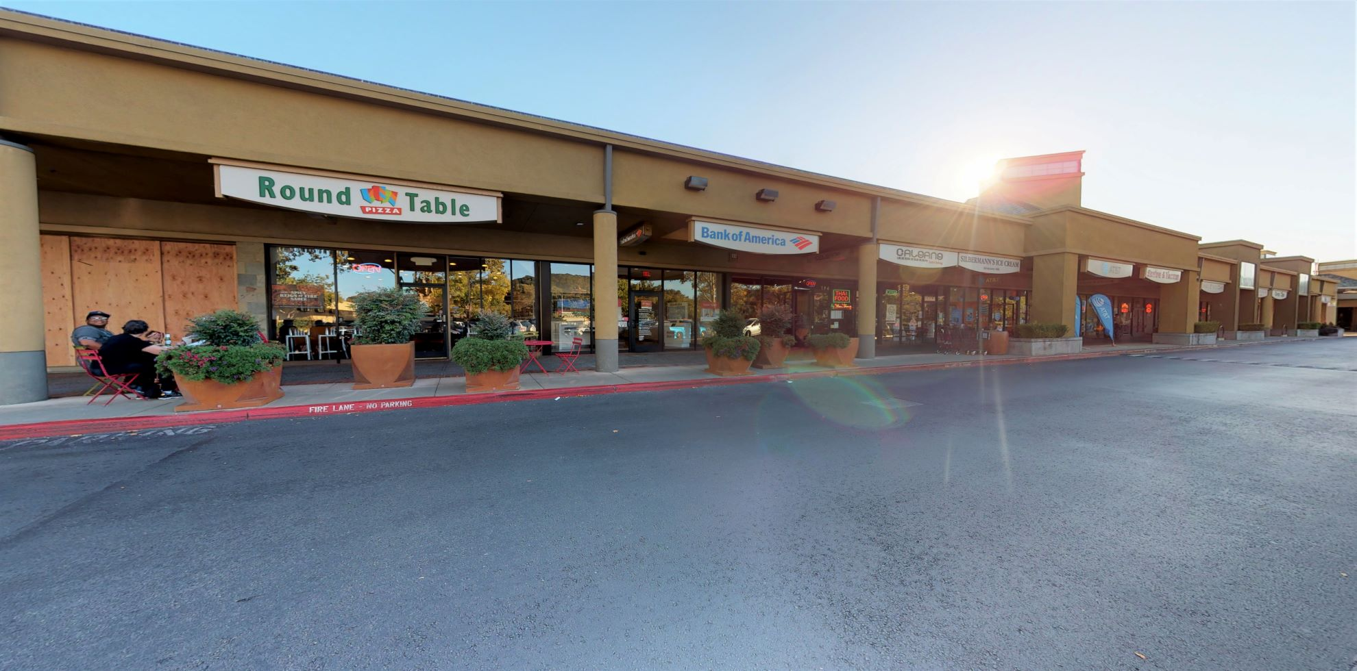 Bank of America Advanced Center with walk-up ATM   190 Northgate One, San Rafael, CA 94903