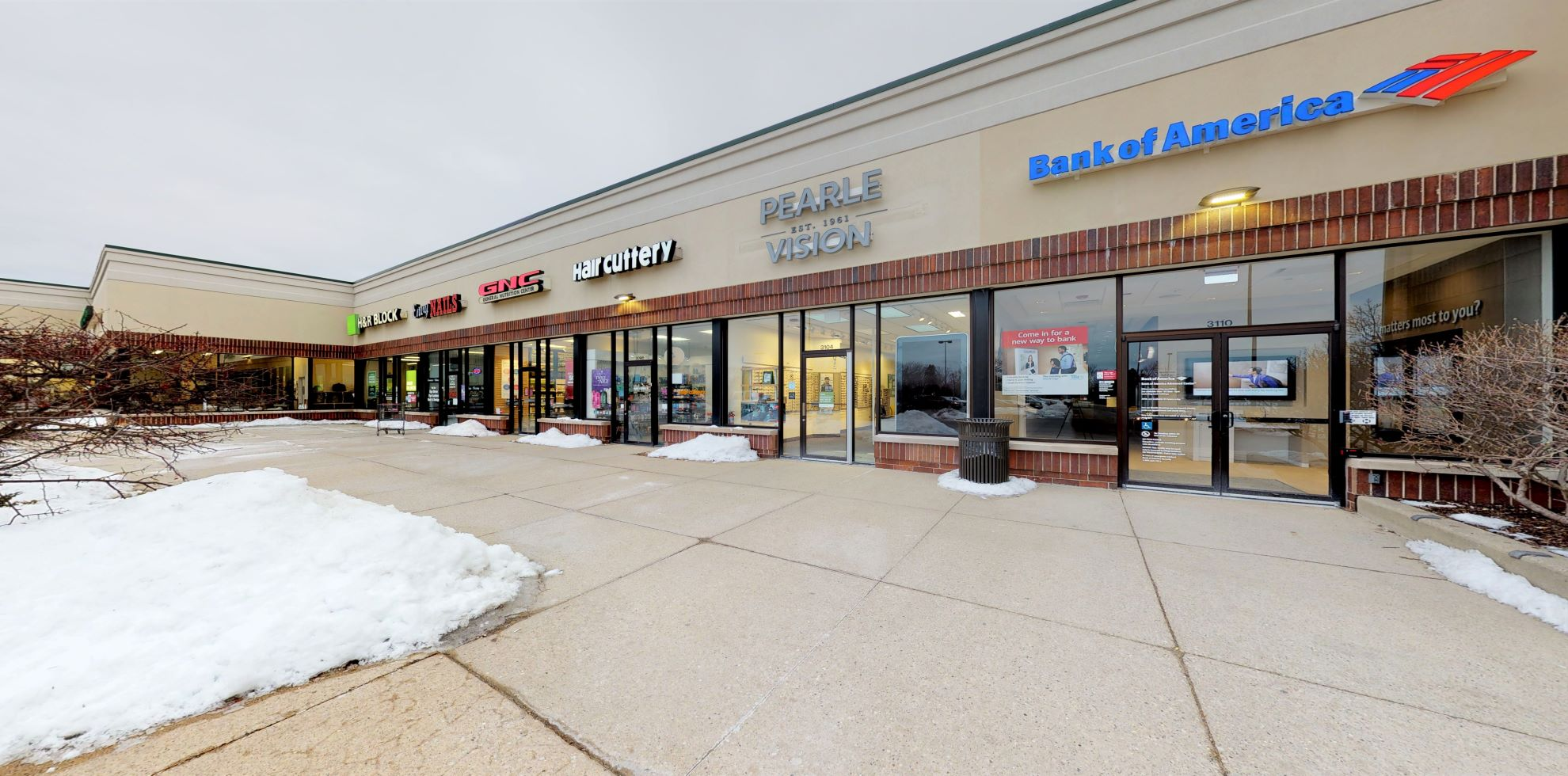 Bank of America Advanced Center with walk-up ATM | 3110 N Lewis Ave, Waukegan, IL 60087