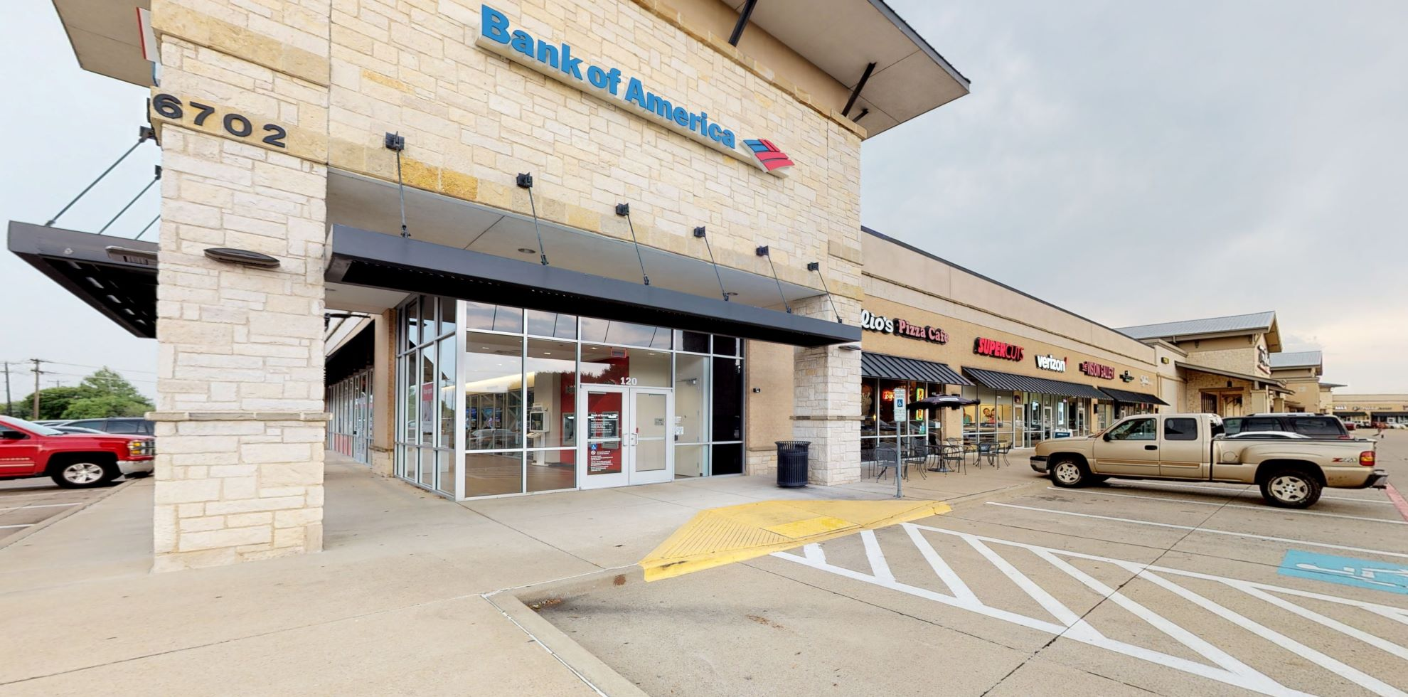 Bank of America Advanced Center with walk-up ATM | 6702 Dalrock Rd, Rowlett, TX 75089