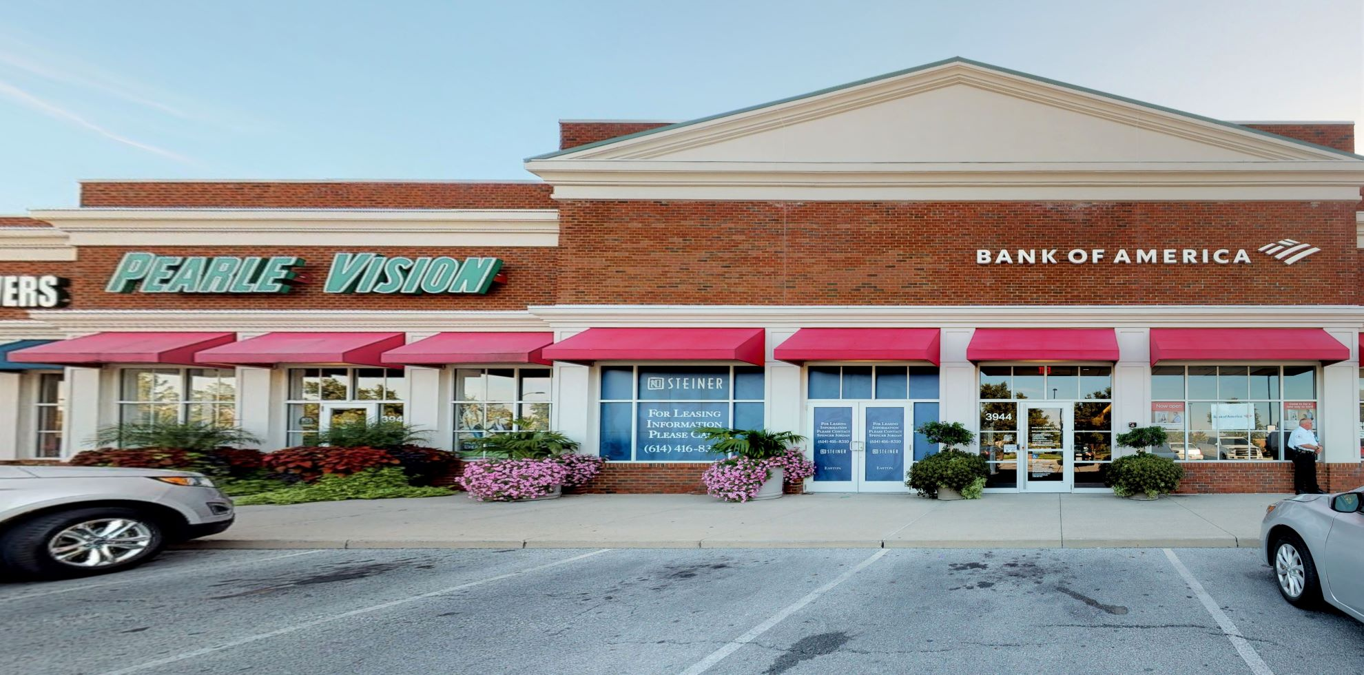 Bank of America Advanced Center with walk-up ATM | 3944 Morse Crossing, Columbus, OH 43219