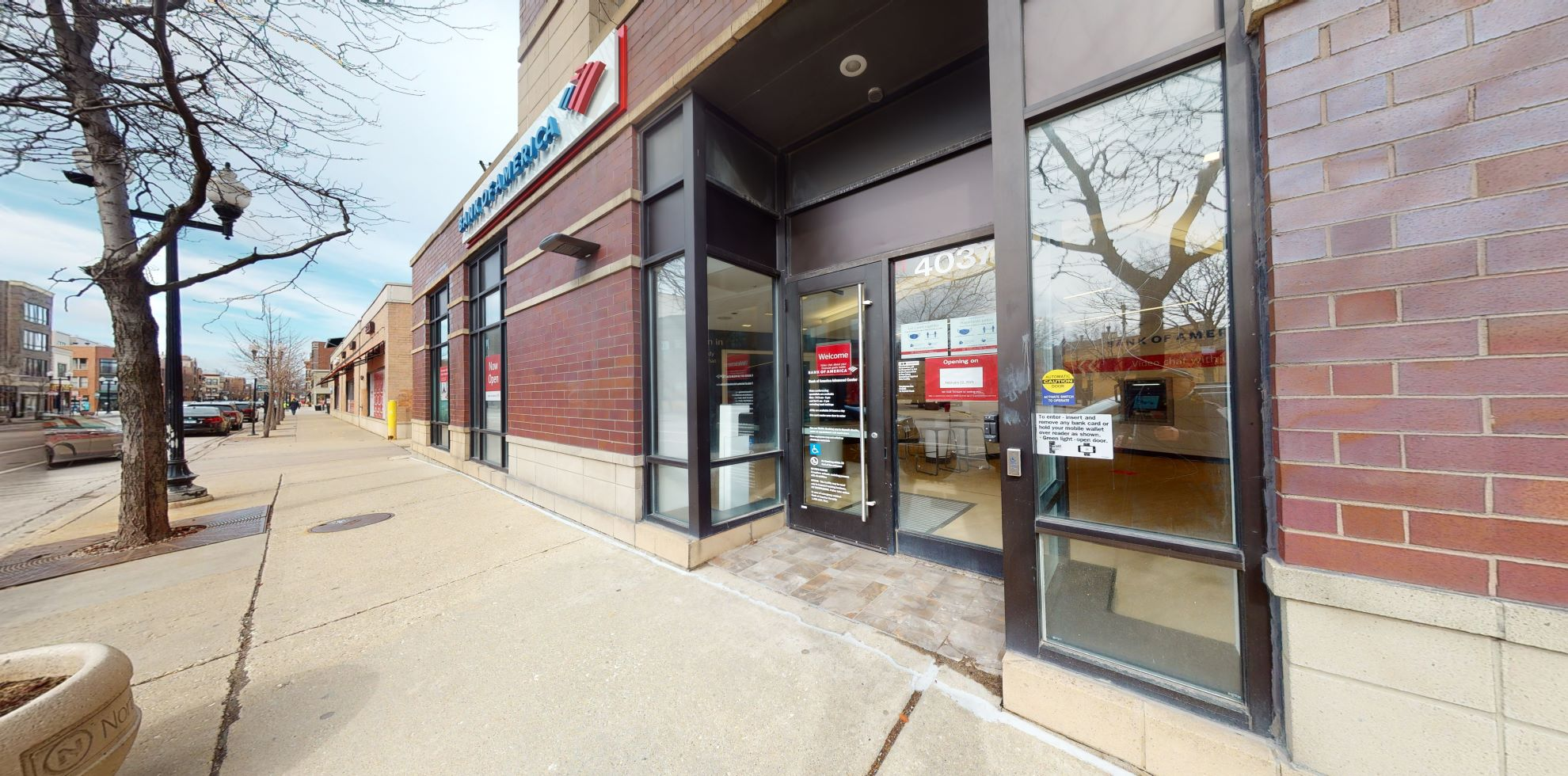 Bank of America Advanced Center with walk-up ATM | 4037 N Lincoln Ave, Chicago, IL 60618