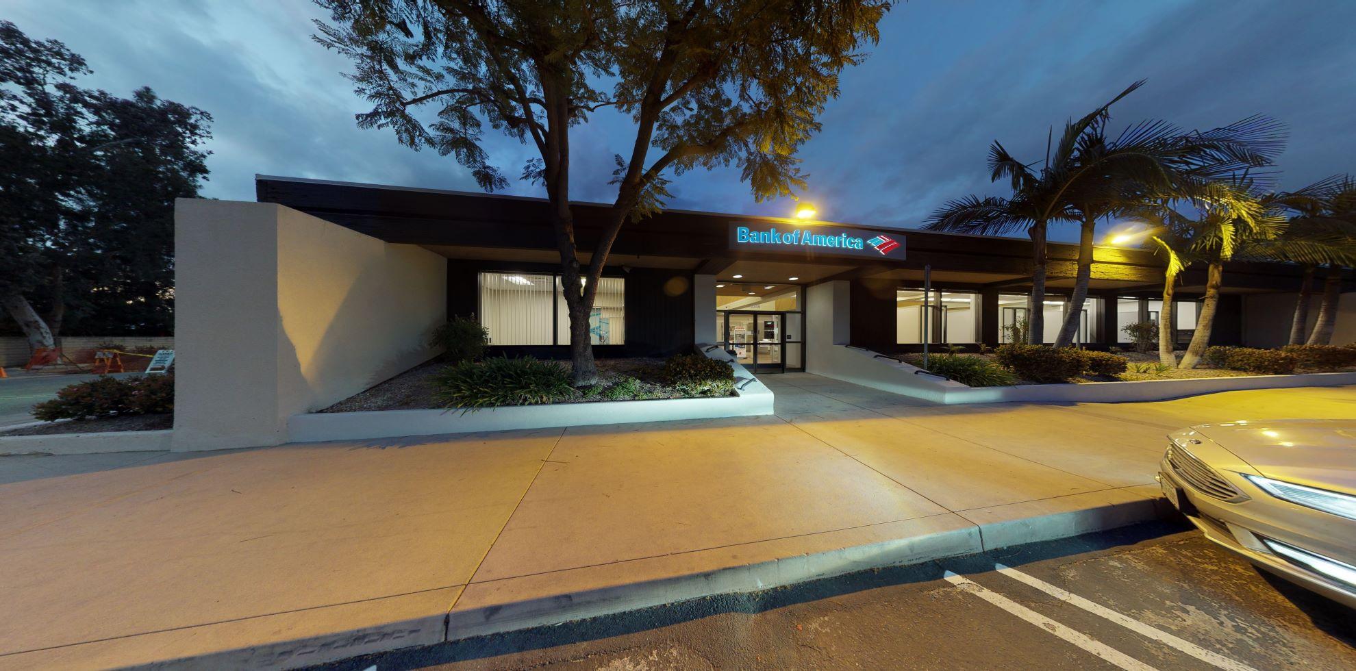 Bank of America financial center with drive-thru ATM | 2345 Borchard Rd, Newbury Park, CA 91320