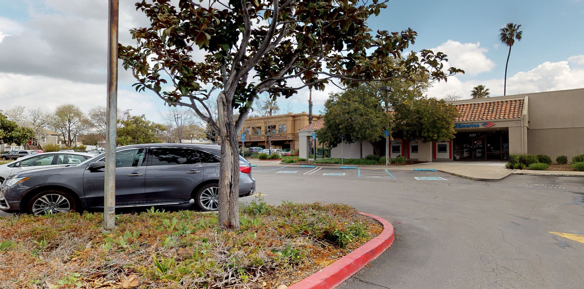 Bank of America financial center with walk-up ATM | 337 Main St, Pleasanton, CA 94566