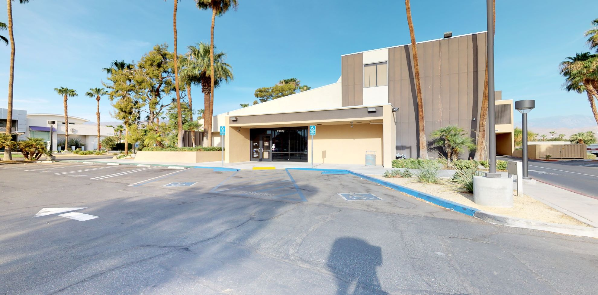 Bank of America financial center with drive-thru ATM | 73820 El Paseo, Palm Desert, CA 92260