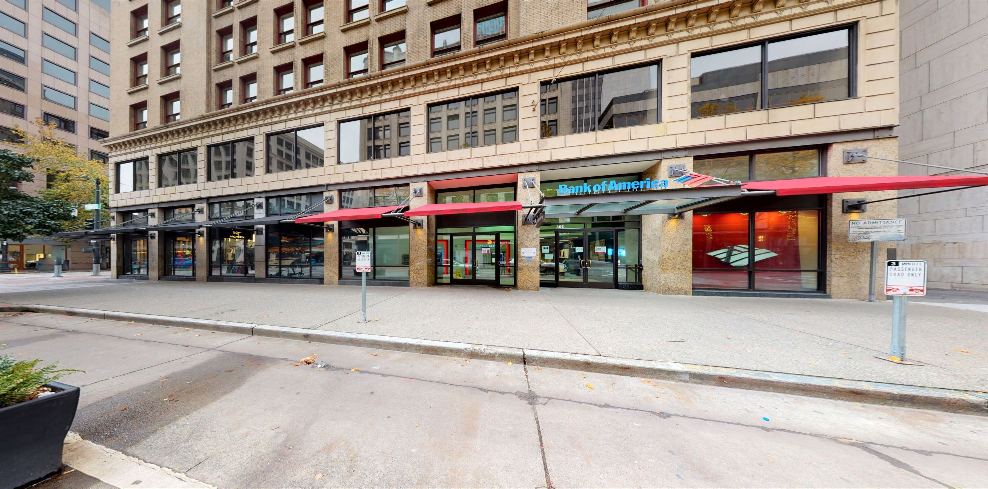 Bank of America financial center with walk-up ATM | 408 Pike St, Seattle, WA 98101