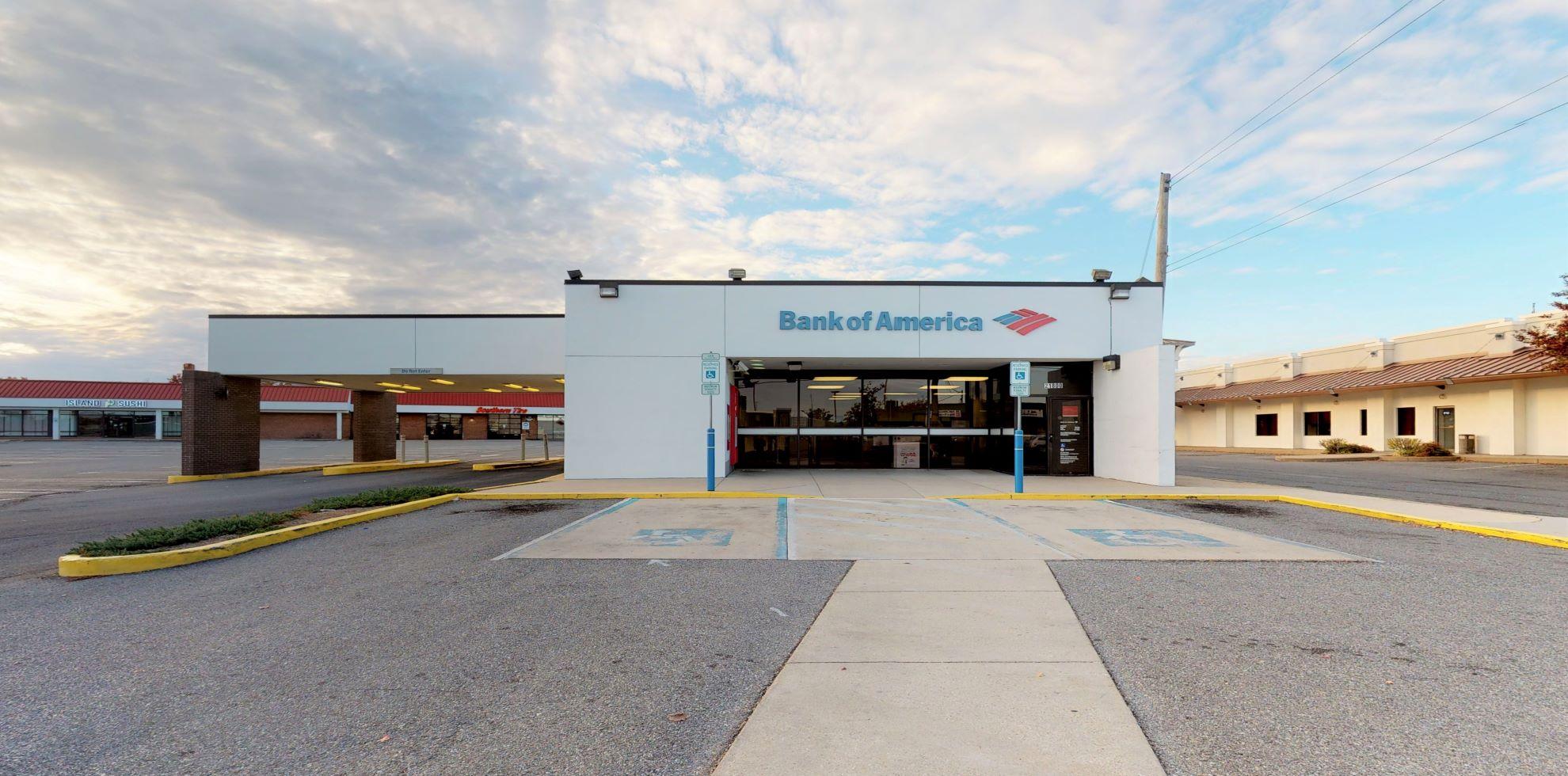 Bank of America financial center with drive-thru ATM | 21800 N Shangri La Dr Unit 22, Lexington Park, MD 20653