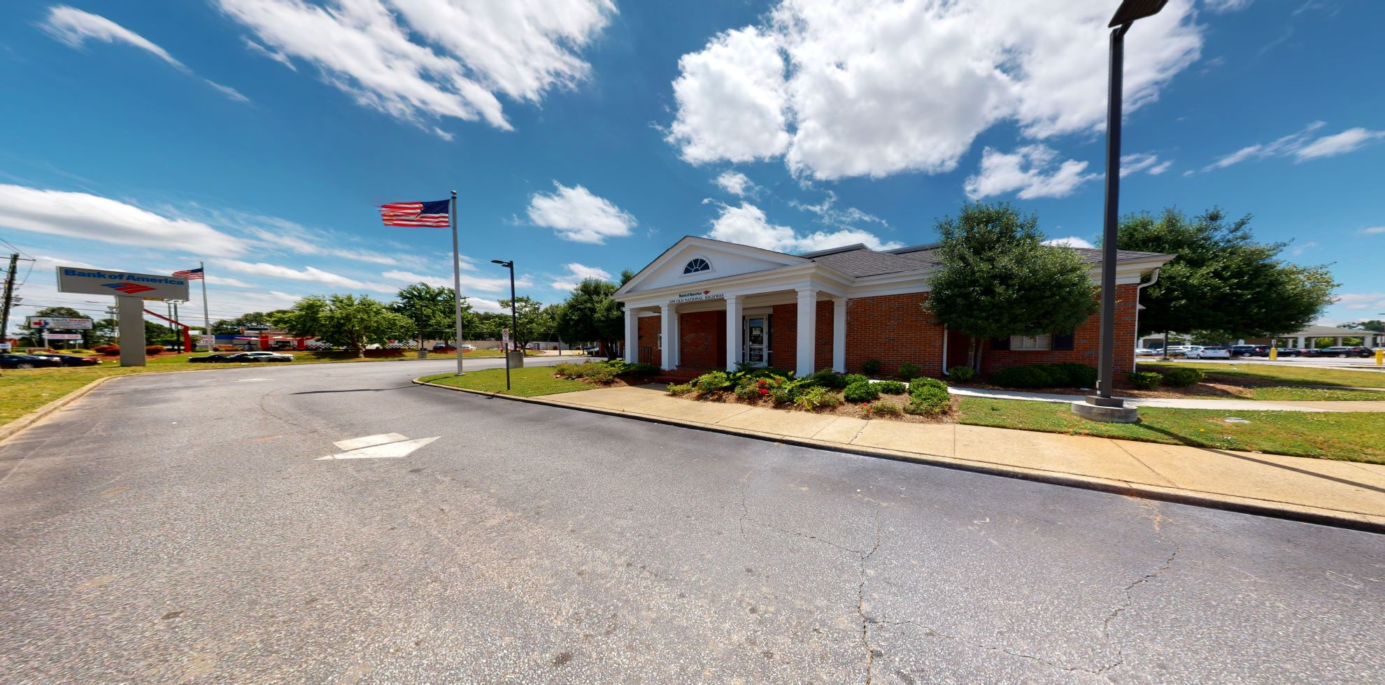 Bank of America financial center with drive-thru ATM and teller | 5199 Old National Hwy, College Park, GA 30349