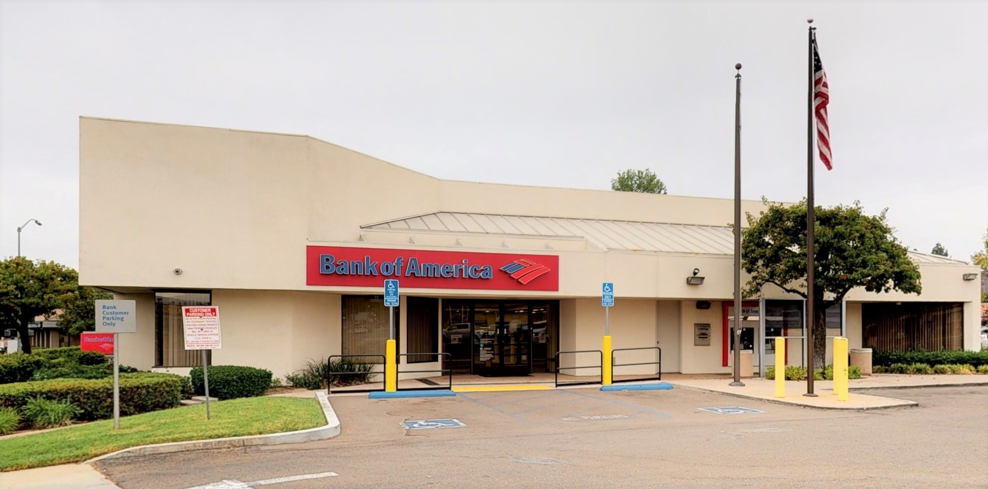 Bank of America financial center with drive-thru ATM | 12724 Poway Rd, Poway, CA 92064