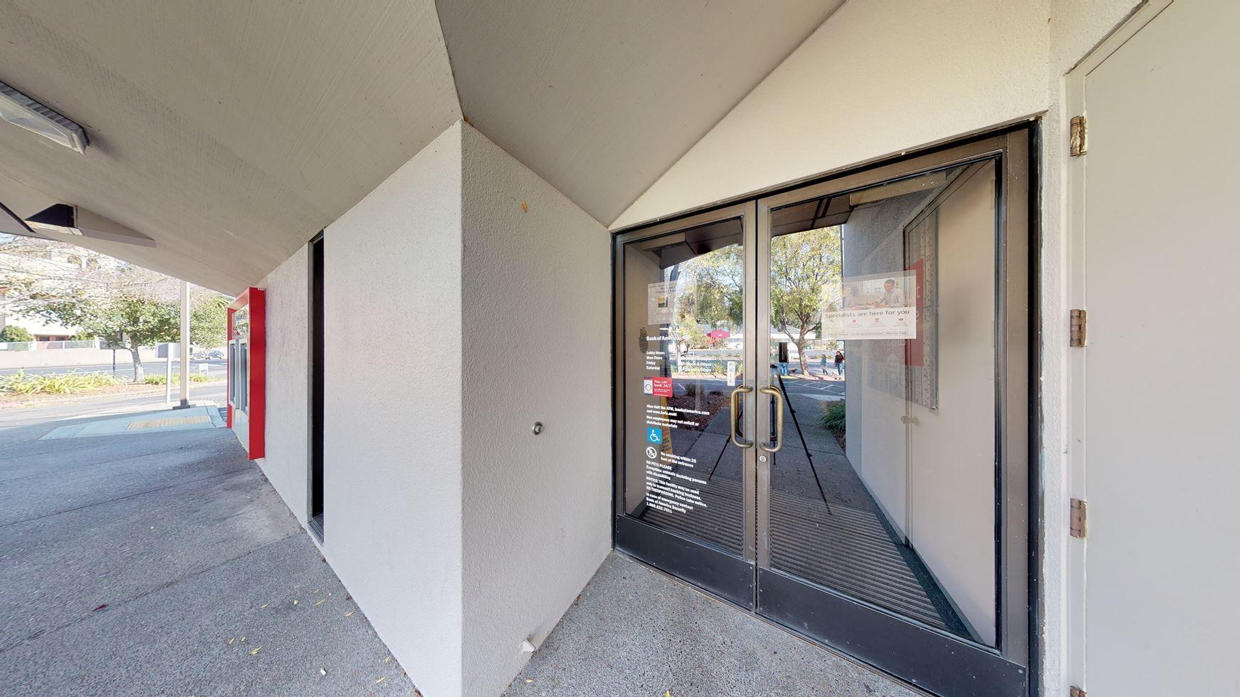 Bank of America financial center with drive-thru ATM | 7185 Healdsburg Ave, Sebastopol, CA 95472