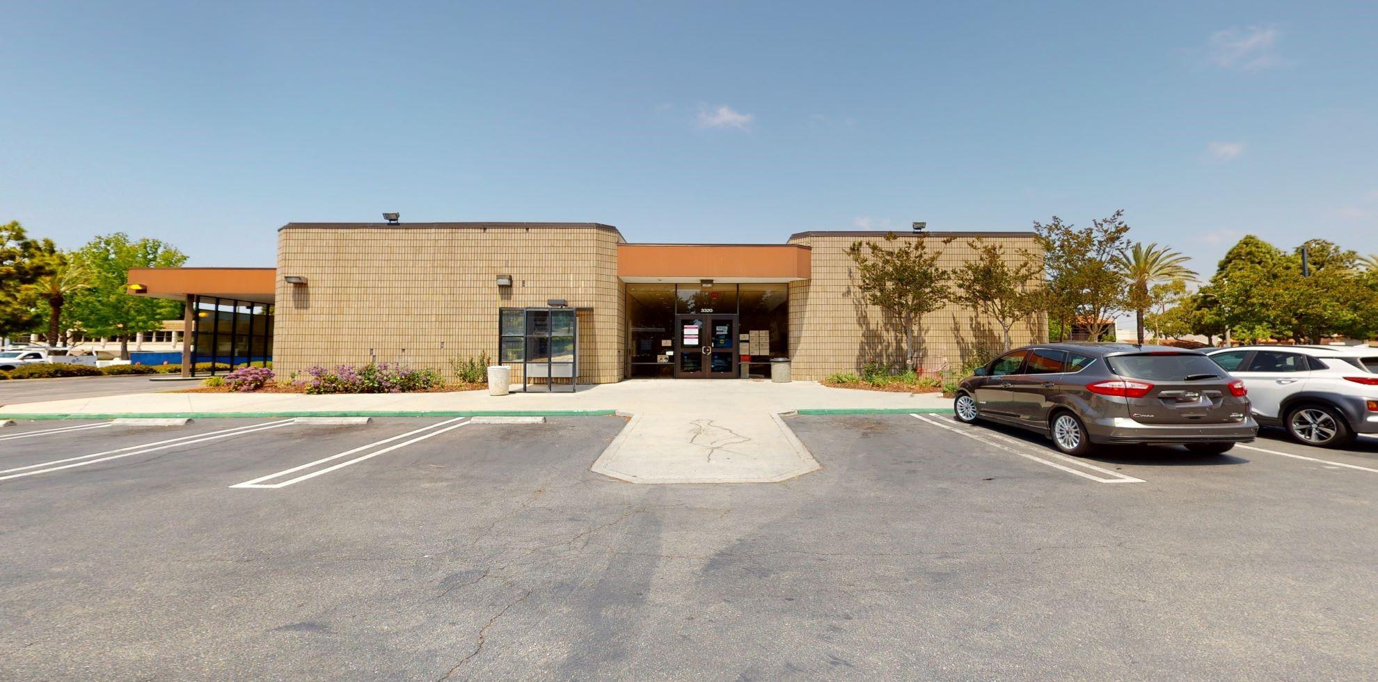 Bank of America financial center with drive-thru ATM | 3320 Ocean Park Blvd, Santa Monica, CA 90405