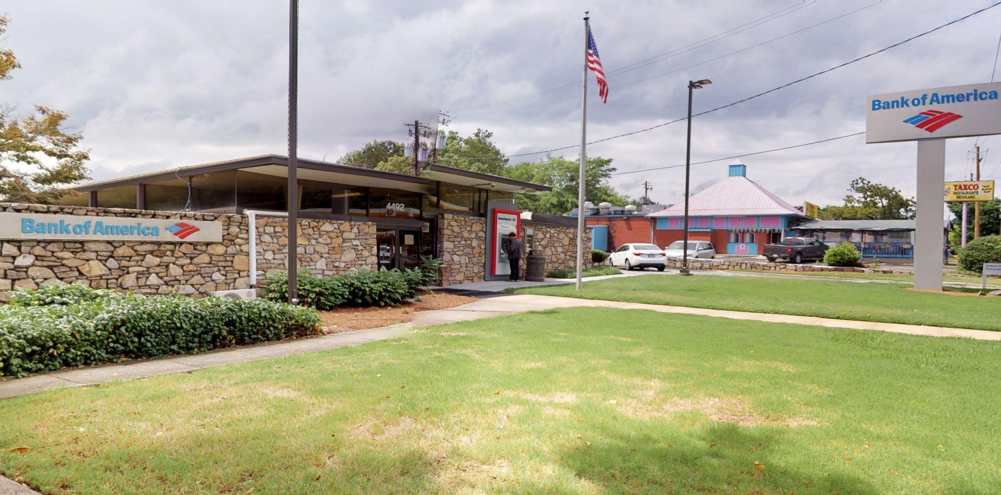 Bank of America financial center with drive-thru ATM | 4492 Roswell Rd NE, Atlanta, GA 30342