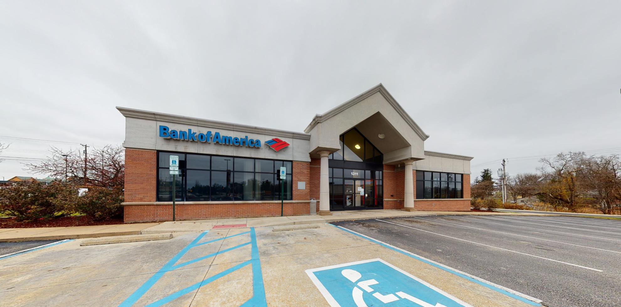 Bank of America financial center with drive-thru ATM | 1311 S 5th St, Saint Charles, MO 63301