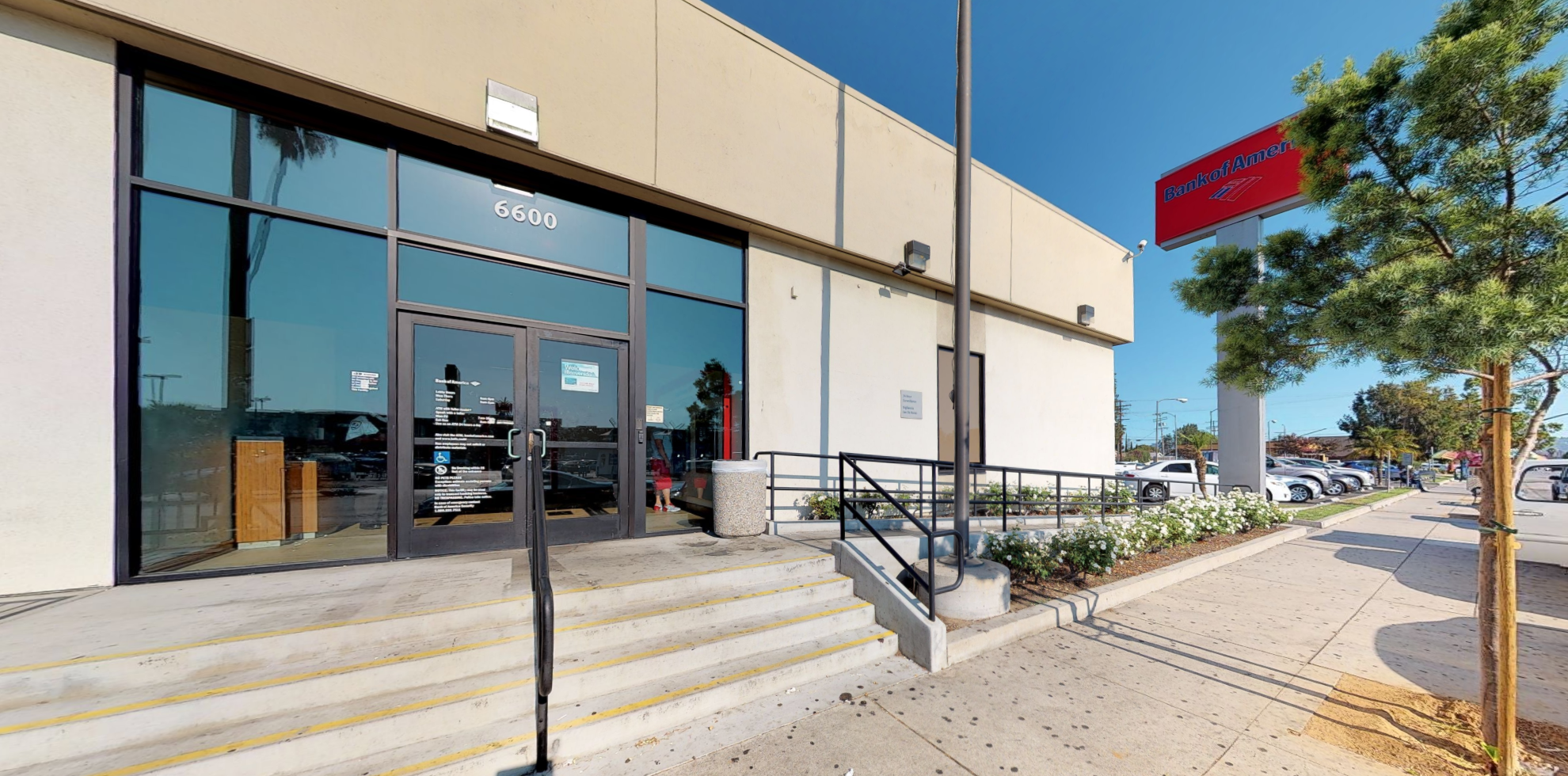 Bank of America financial center with walk-up ATM | 6600 Laurel Canyon Blvd, North Hollywood, CA 91606
