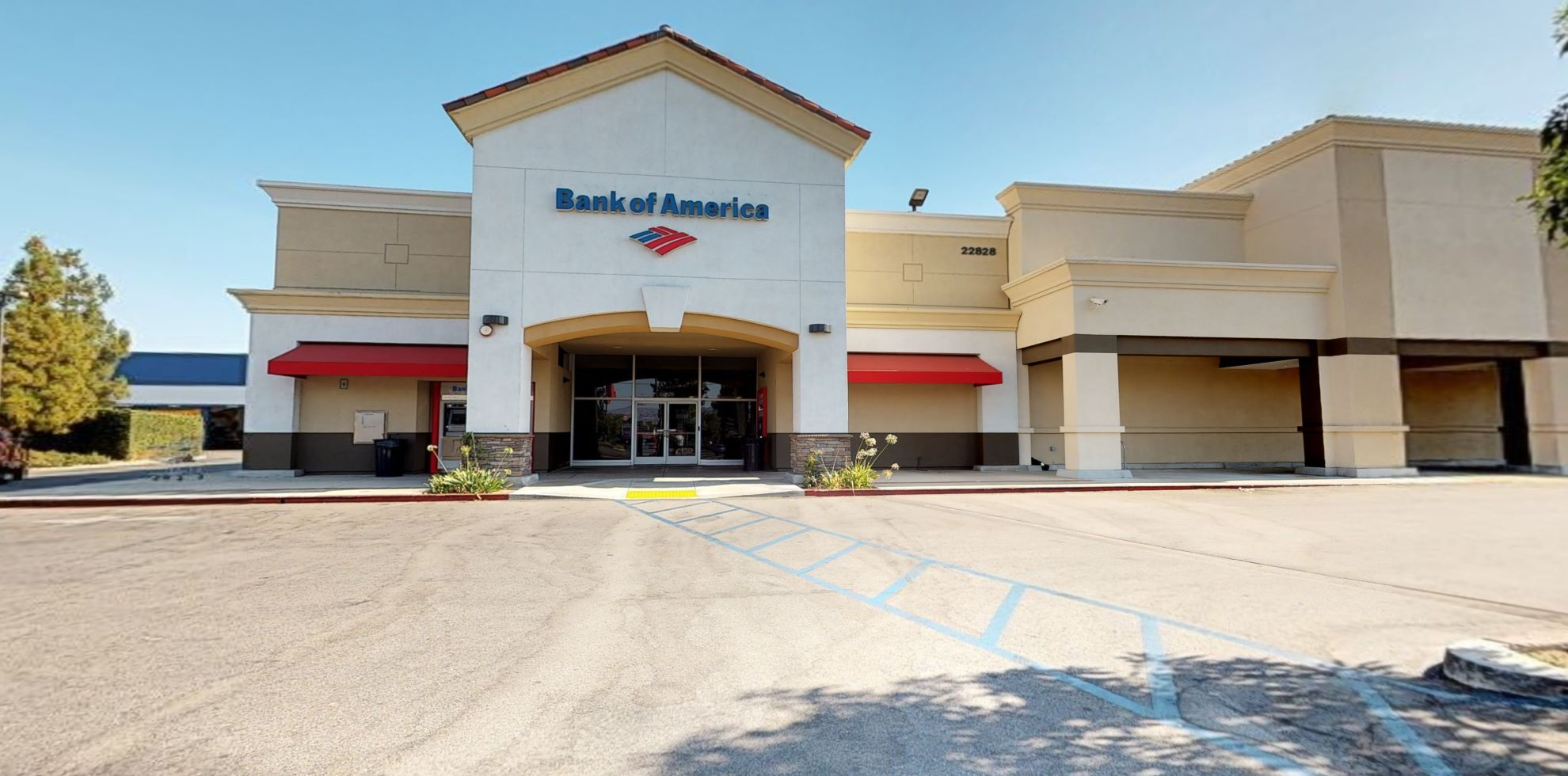 Bank of America financial center with walk-up ATM   22828 Victory Blvd, Woodland Hills, CA 91367