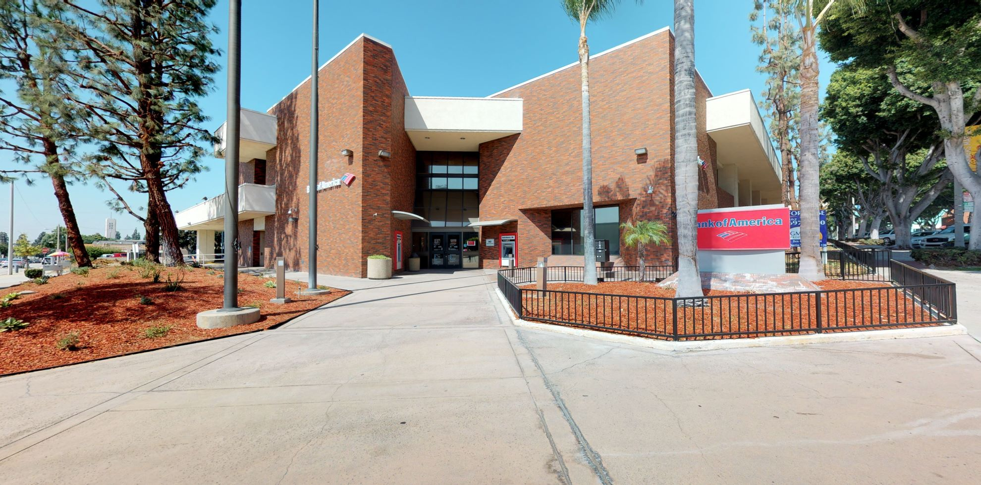 Bank of America financial center with drive-thru ATM | 7255 Greenleaf Ave, Whittier, CA 90602