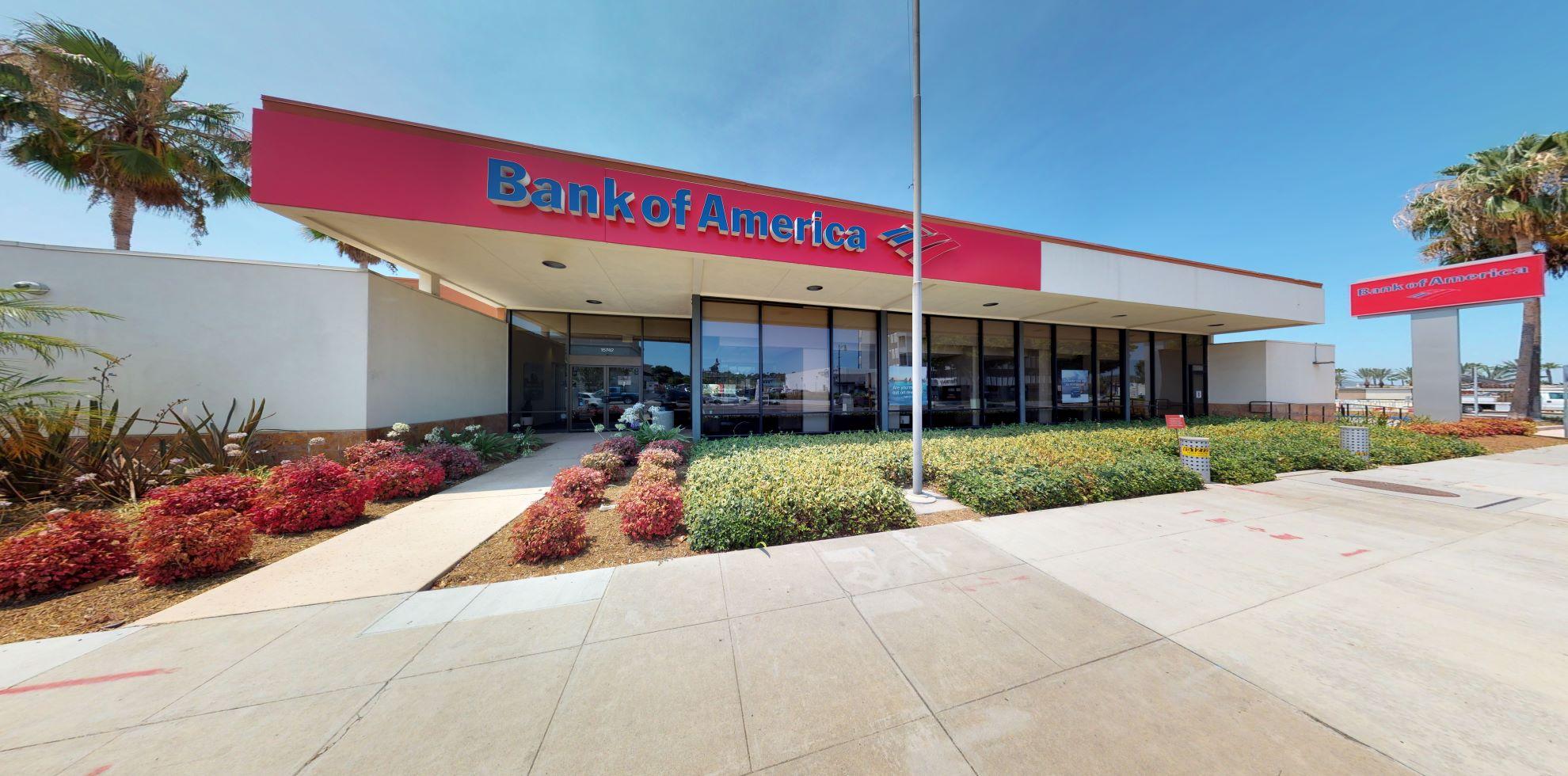 Bank of America financial center with drive-thru ATM | 15742 Whittier Blvd, Whittier, CA 90603