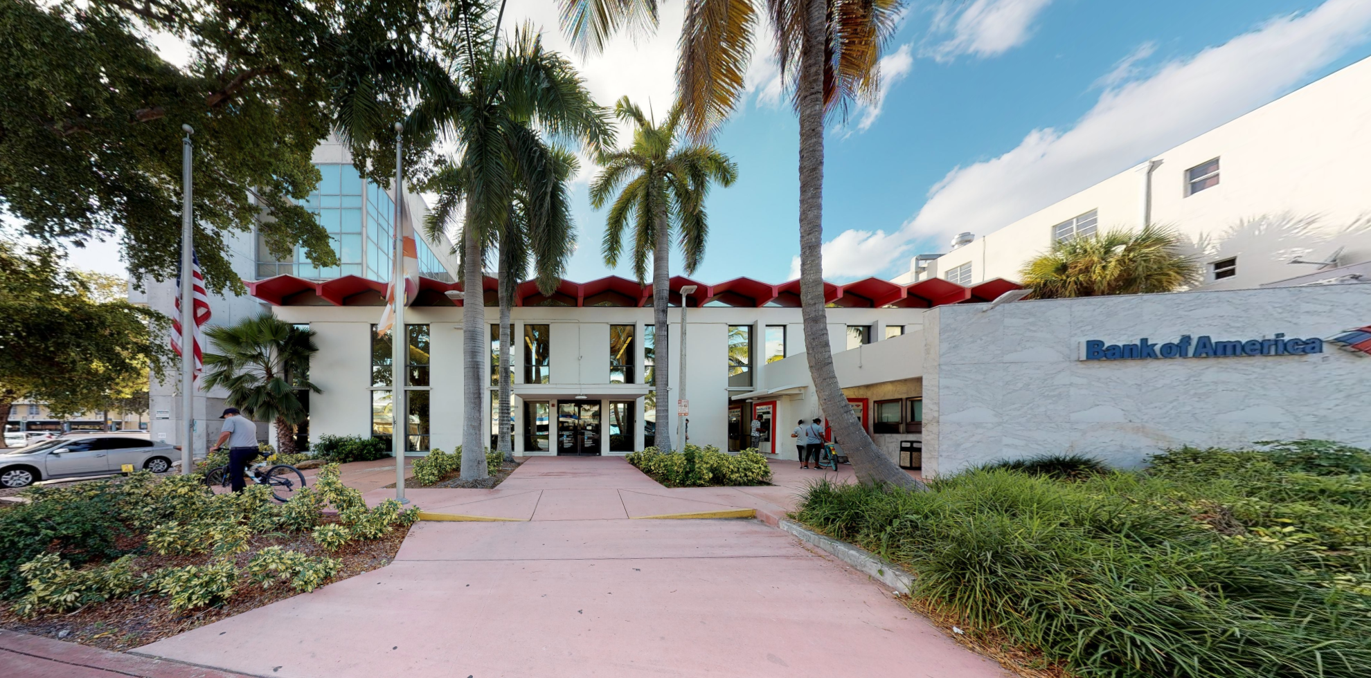 Bank of America financial center with drive-thru ATM | 930 Washington Ave, Miami Beach, FL 33139