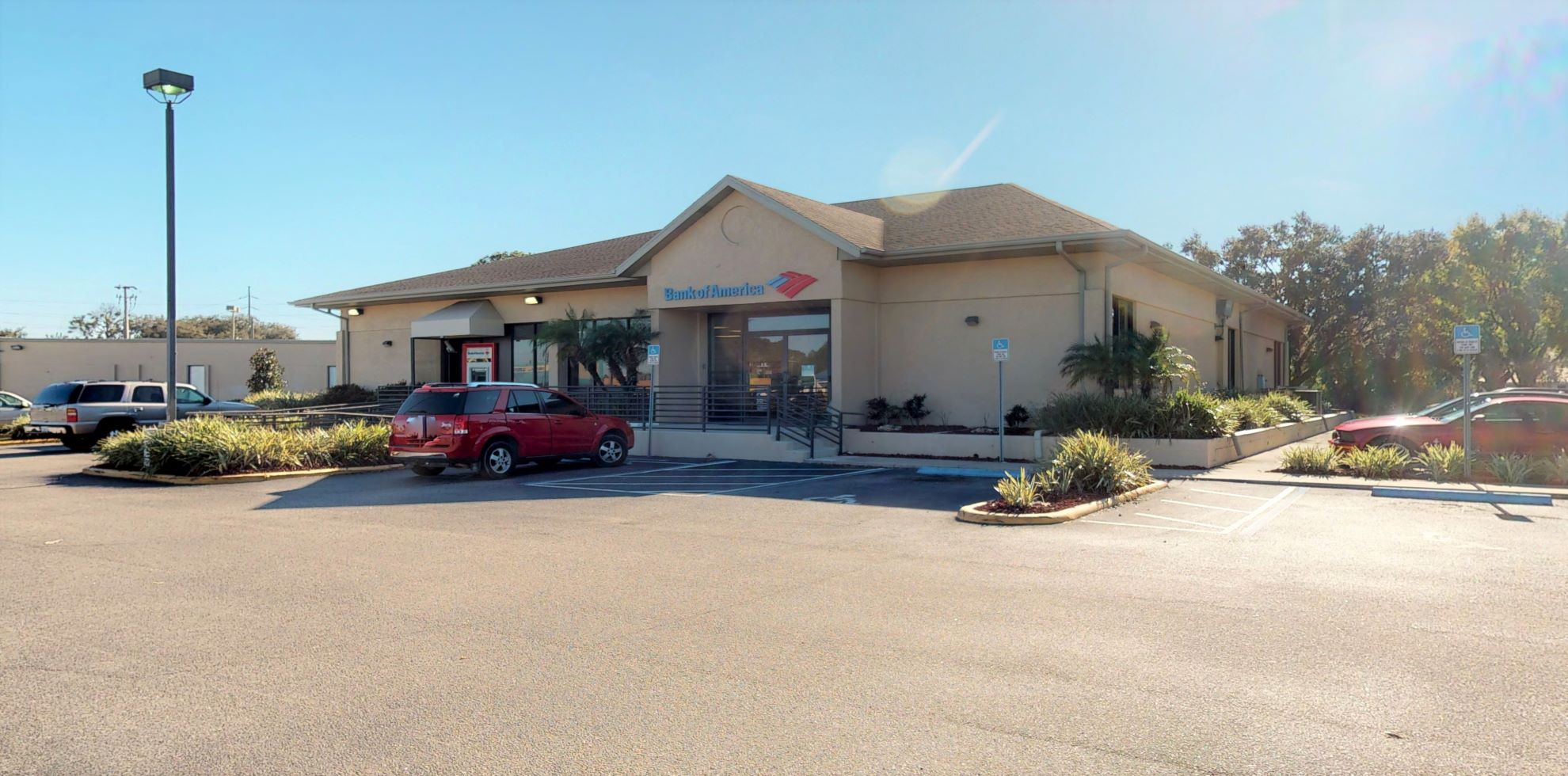 Bank of America financial center with drive-thru ATM   300 Havendale Blvd, Auburndale, FL 33823