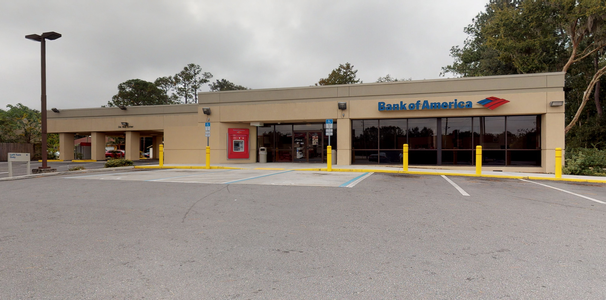 Bank of America financial center with drive-thru ATM | 5222 SE Abshier Blvd, Belleview, FL 34420