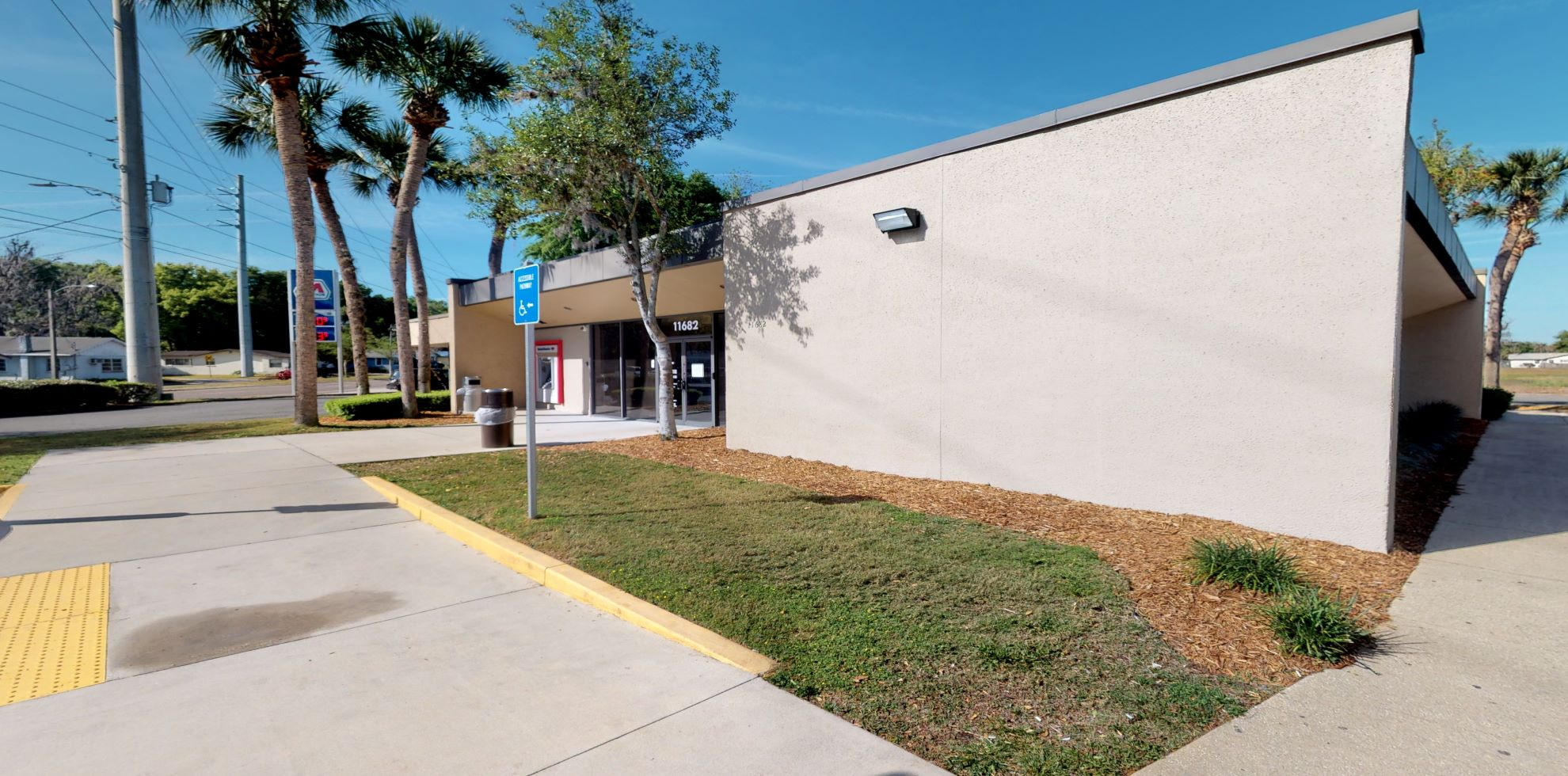 Bank of America financial center with drive-thru ATM   11682 N Williams St, Dunnellon, FL 34432