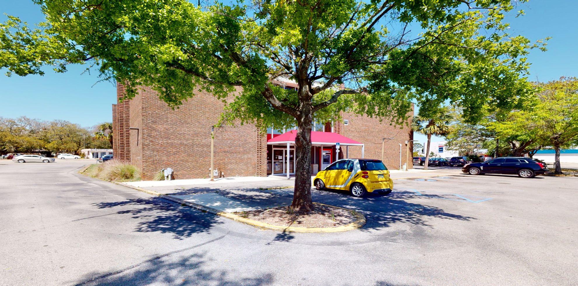 Bank of America financial center with drive-thru ATM   189 Eglin Pkwy NE, Ft Walton Beach, FL 32548