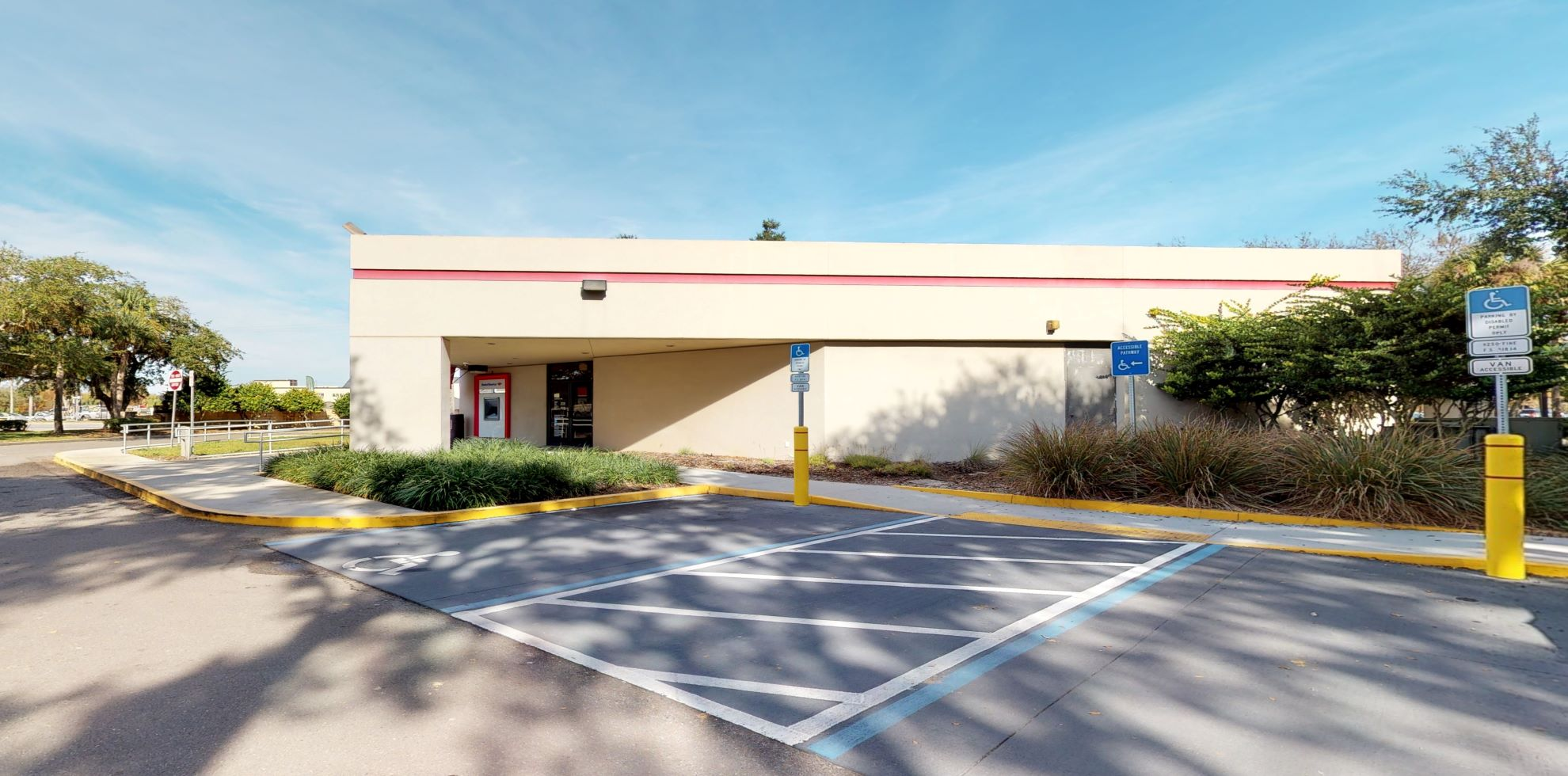 Bank of America financial center with walk-up ATM | 1880 State Road 44, New Smyrna Beach, FL 32168